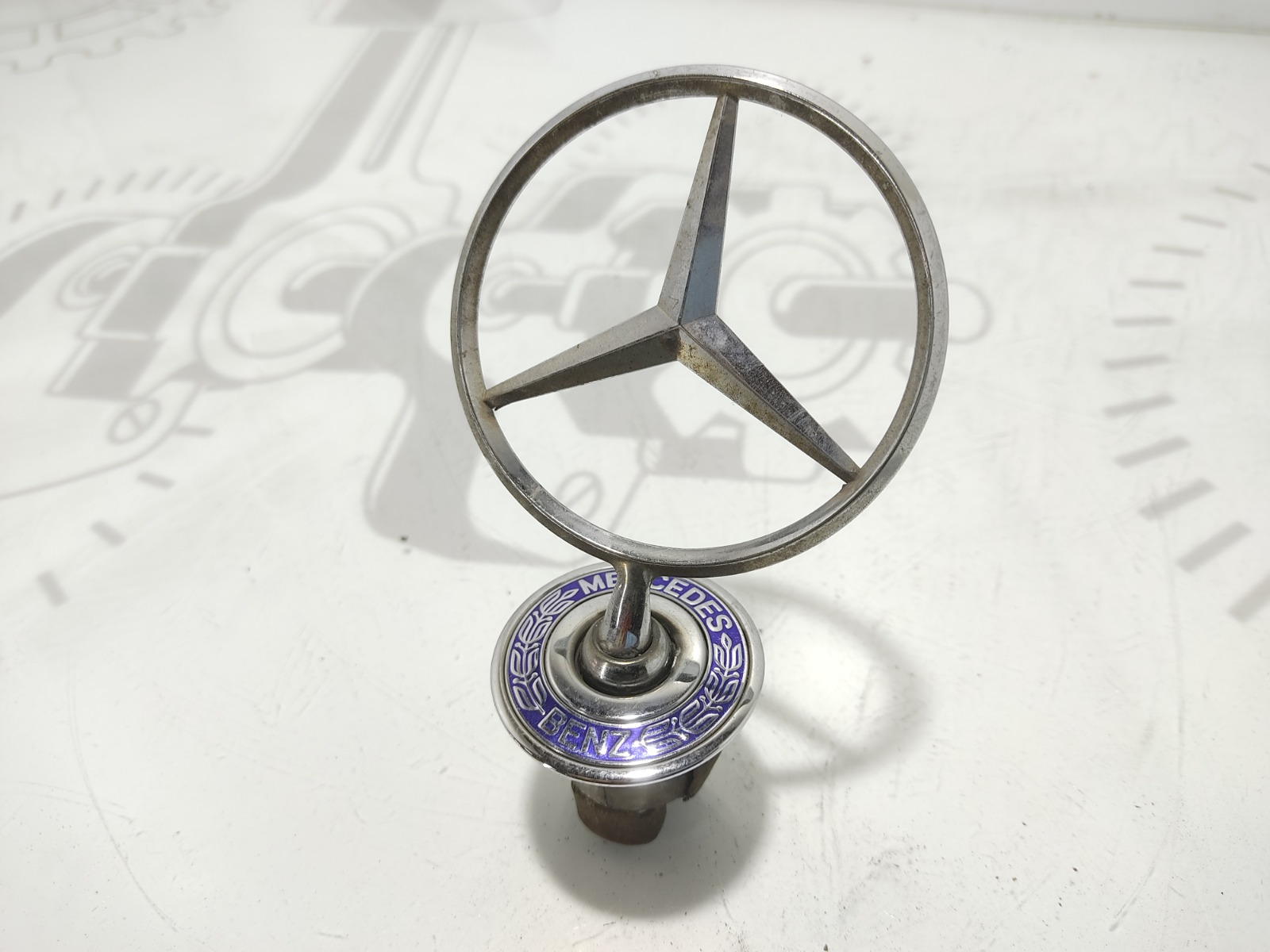 Эмблема Mercedes E W211 1.8 I 2003 (б/у)