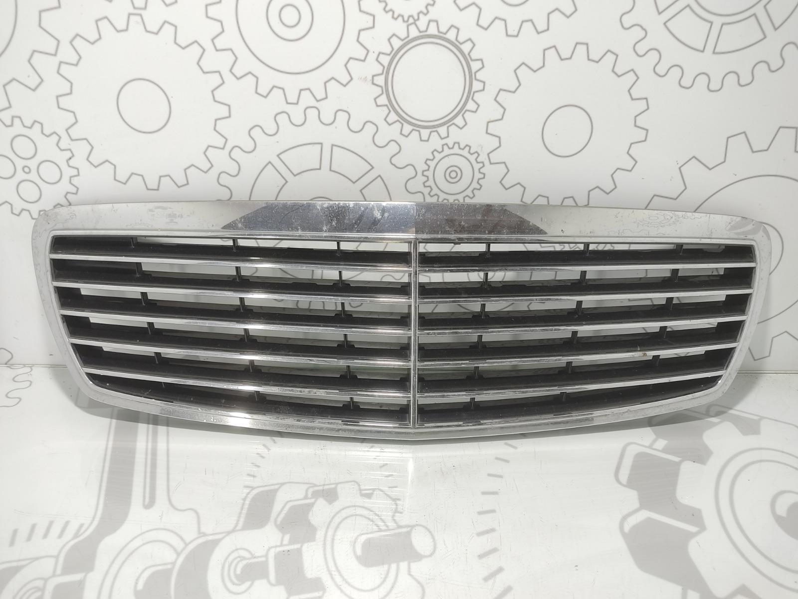 Решетка радиатора Mercedes E W211 1.8 I 2003 (б/у)
