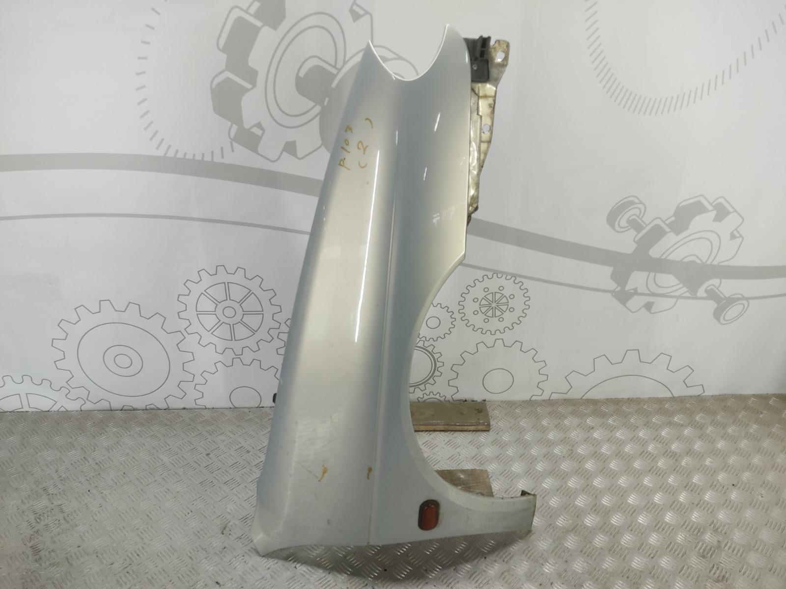 Крыло переднее правое Renault Megane 1.9 DCI 2002 (б/у)