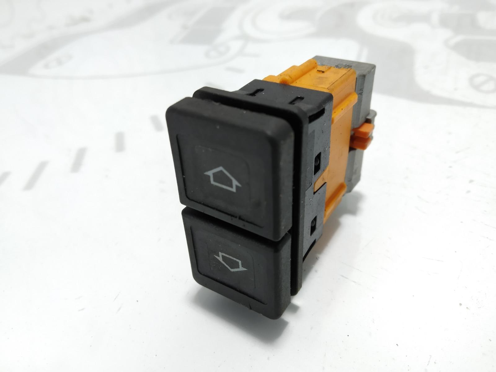 Кнопка стеклоподъемника Citroen Xsara Picasso 1.6 HDI 2007 (б/у)
