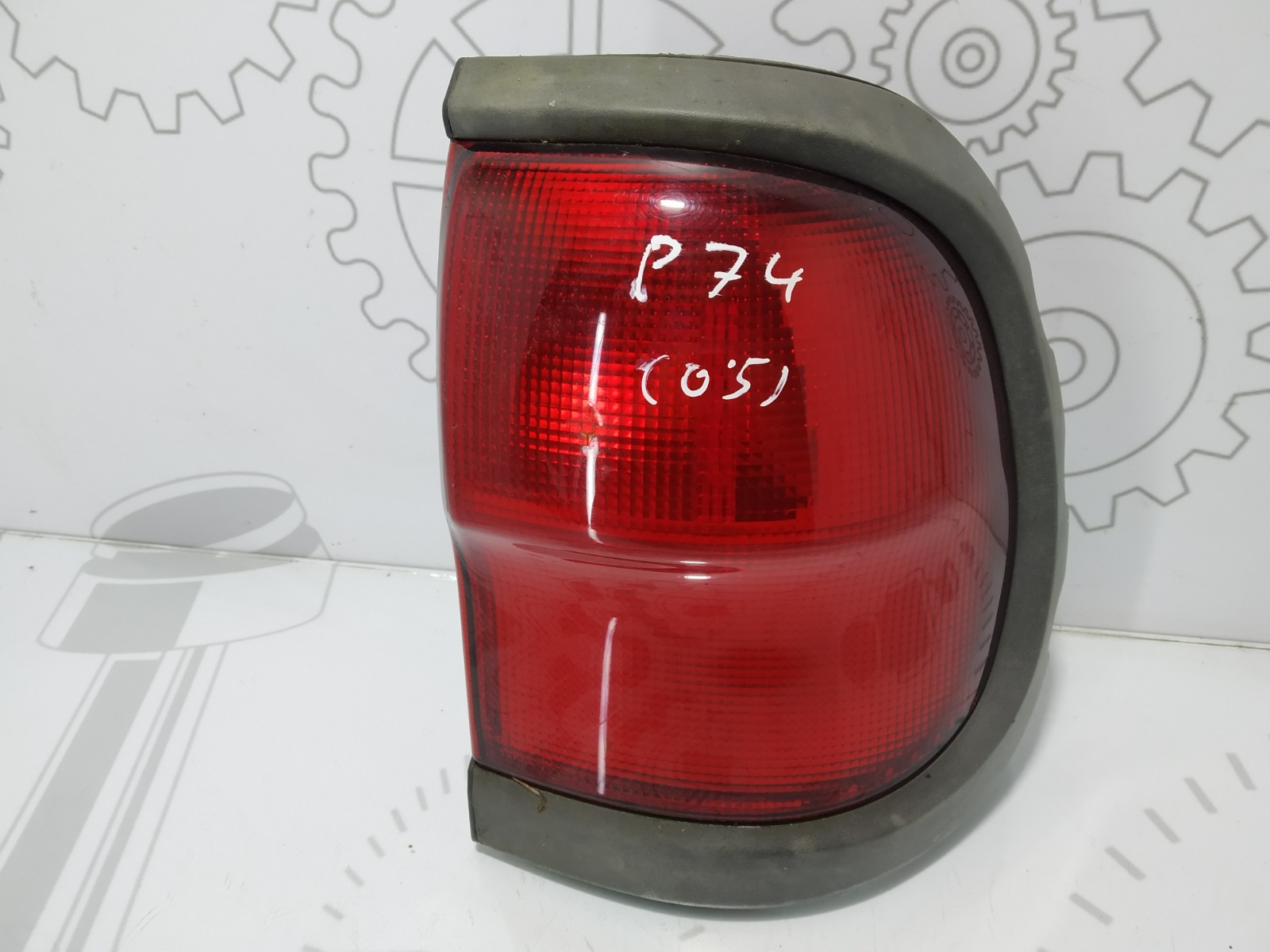 Фонарь задний правый Nissan Terrano 3.0 TD 2003 (б/у)