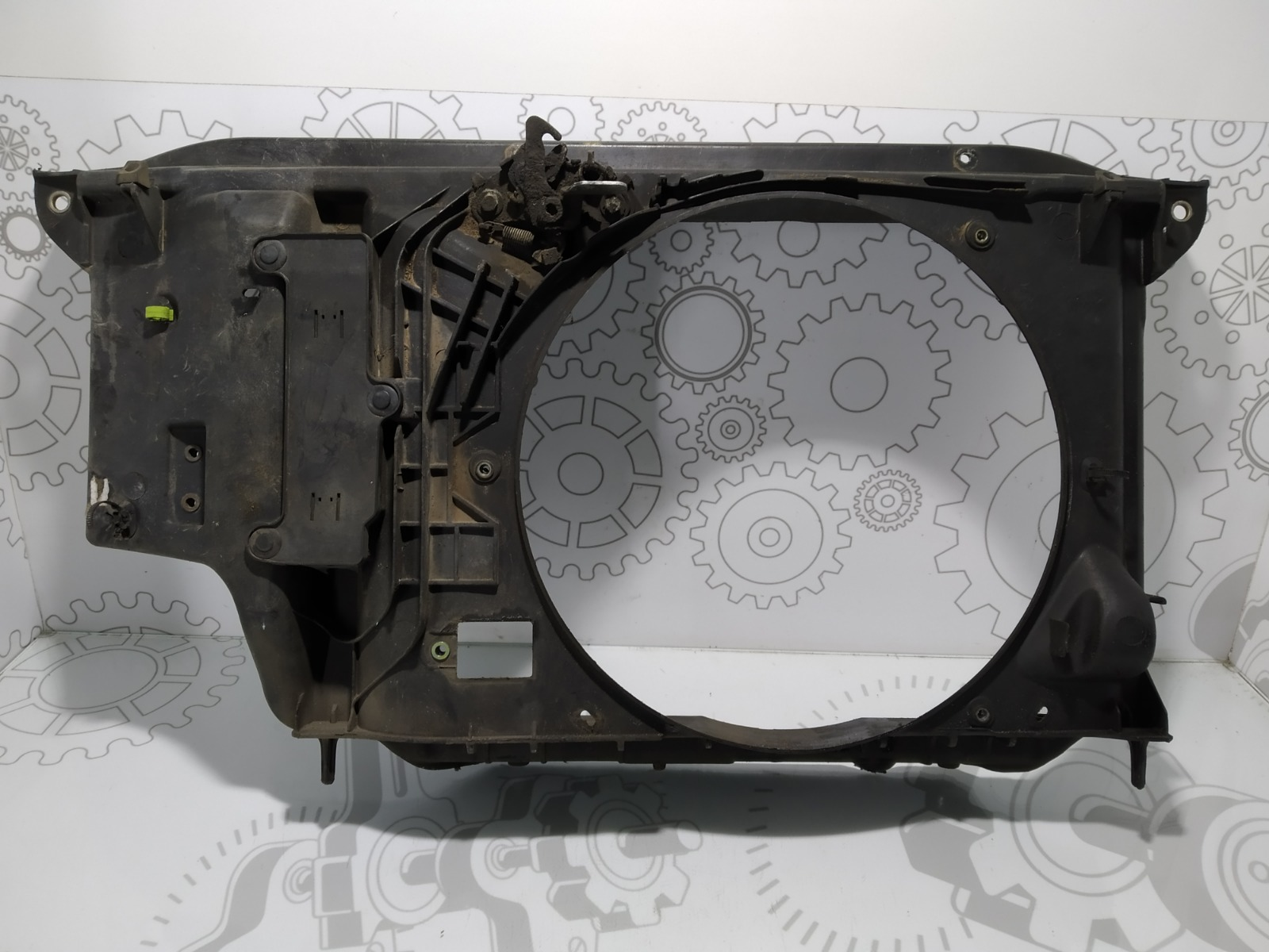 Диффузор вентилятора Peugeot 206 1.4 I 2002 (б/у)