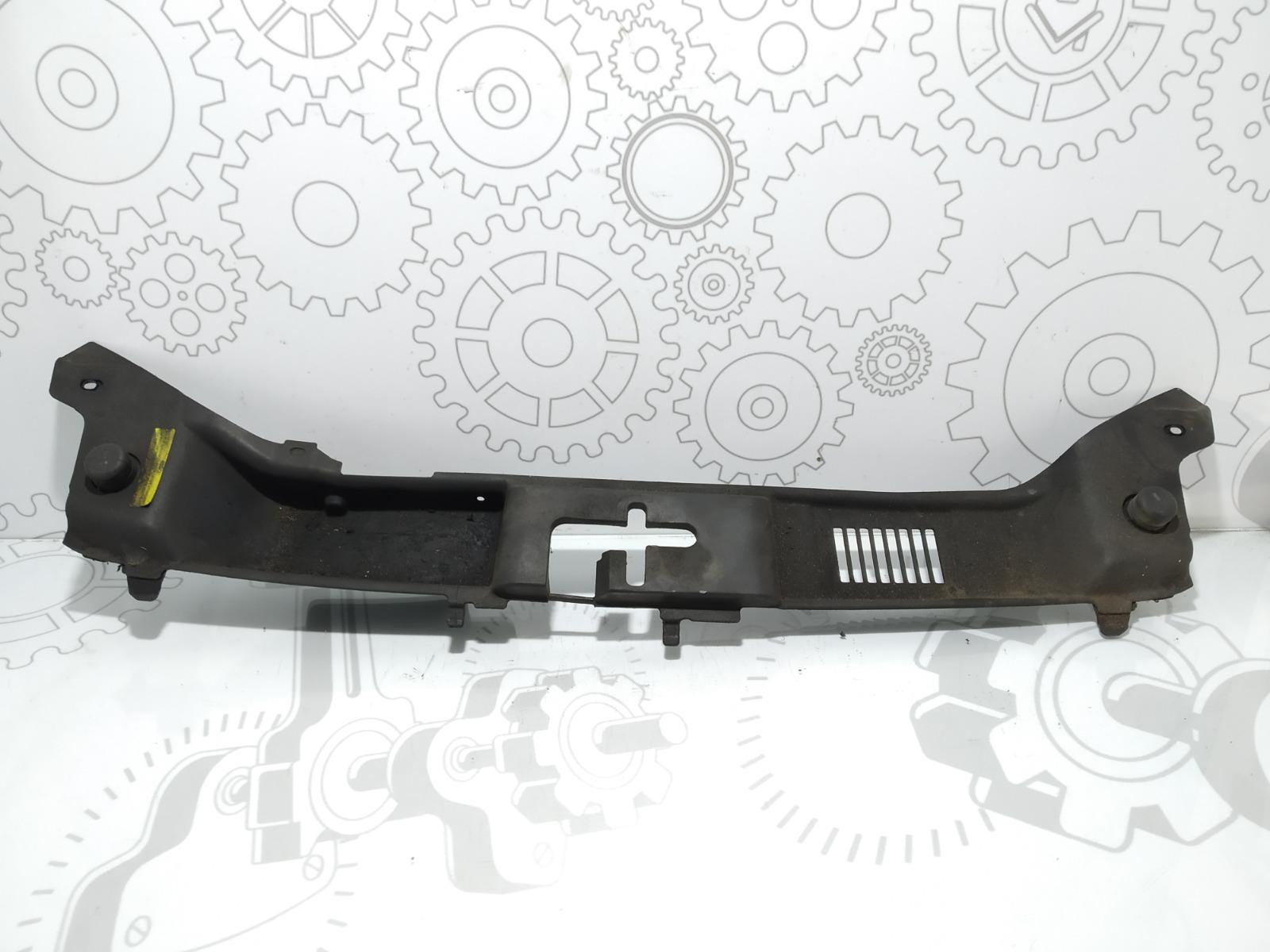 Планка под капот Volvo V50 2.0 TD 2005 (б/у)