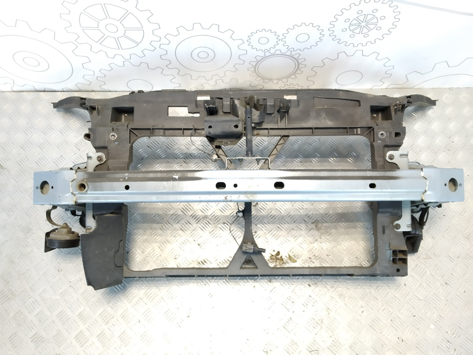 Передняя панель крепления облицовки (телевизор) Mazda 5 2.0 TD 2008 (б/у)