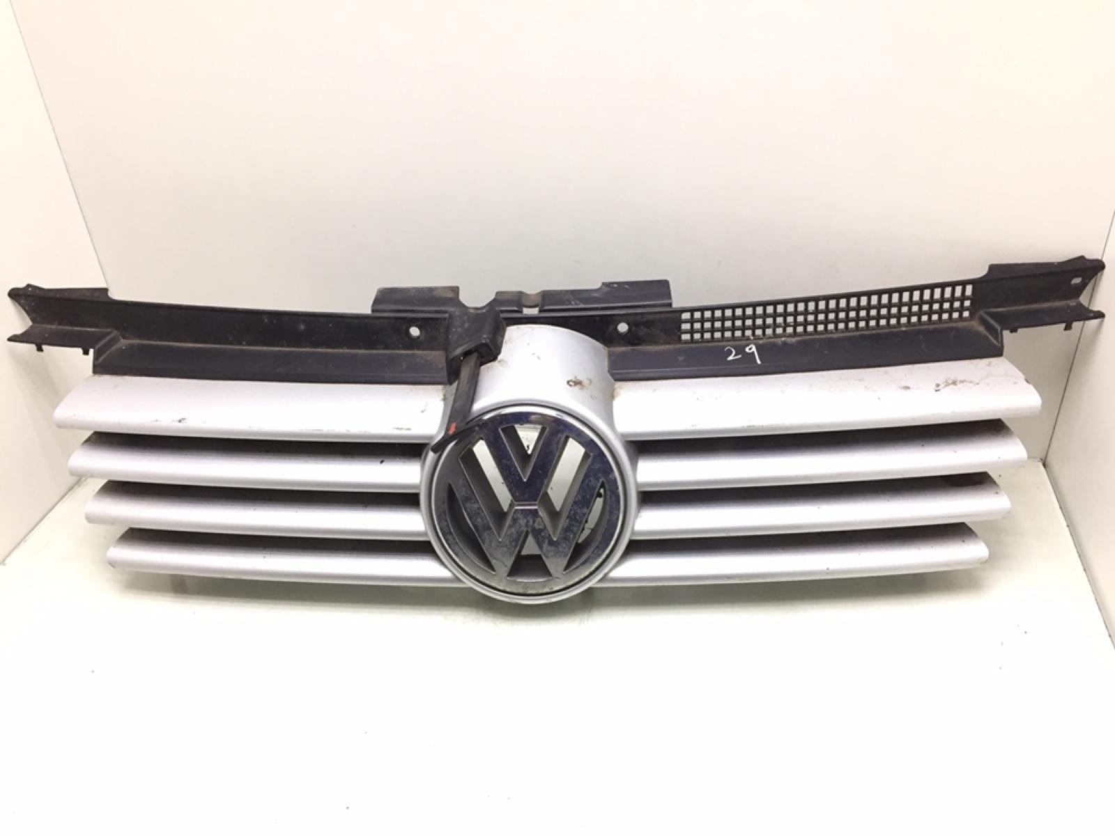 Решетка радиатора Volkswagen Bora 1.9 TDI 2001 (б/у)