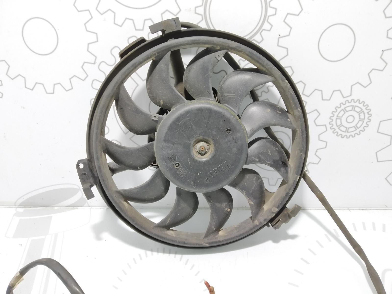 Вентилятор радиатора Volkswagen Passat B5 2.0 I 2002 (б/у)