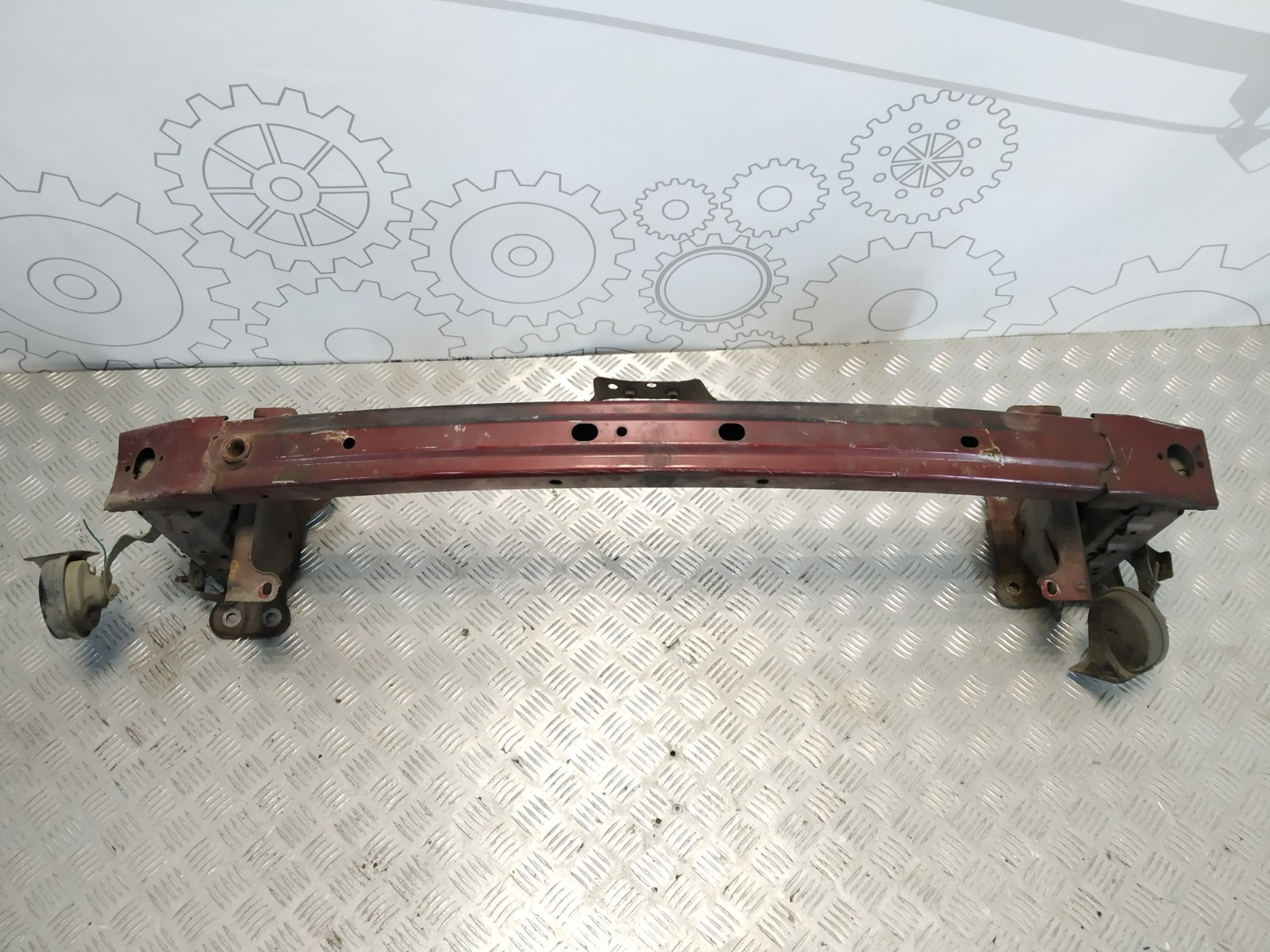 Усилитель бампера переднего Mazda 5 2.0 I 2010 (б/у)