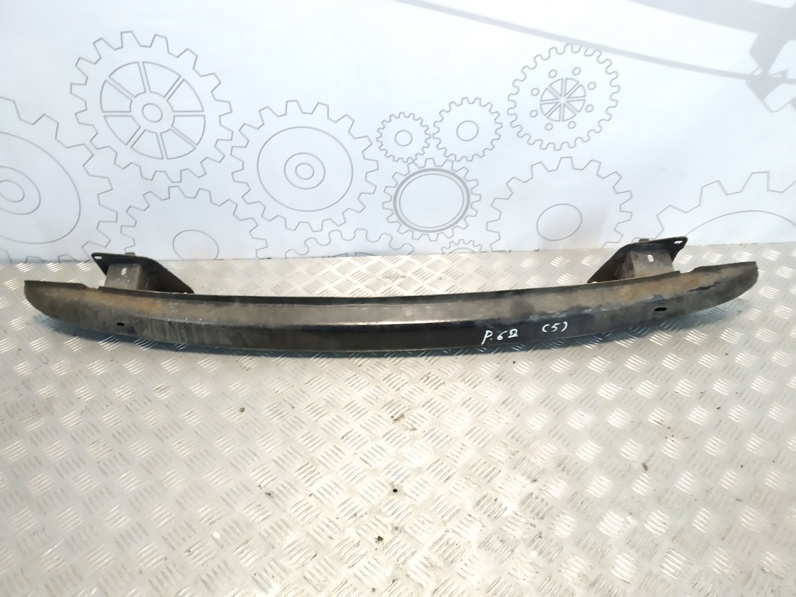 Усилитель бампера заднего Volkswagen Golf 4 1.6 I 2002 (б/у)