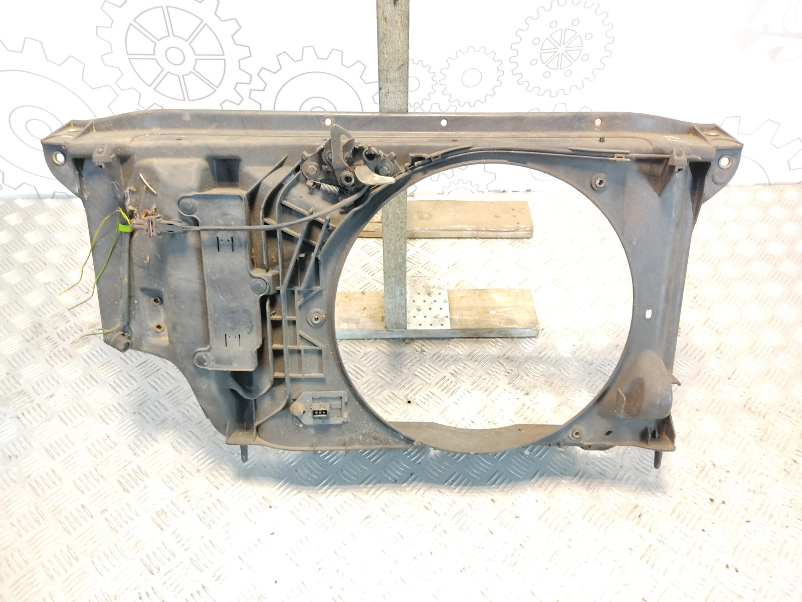 Диффузор вентилятора Peugeot 206 1.6 I 2002 (б/у)