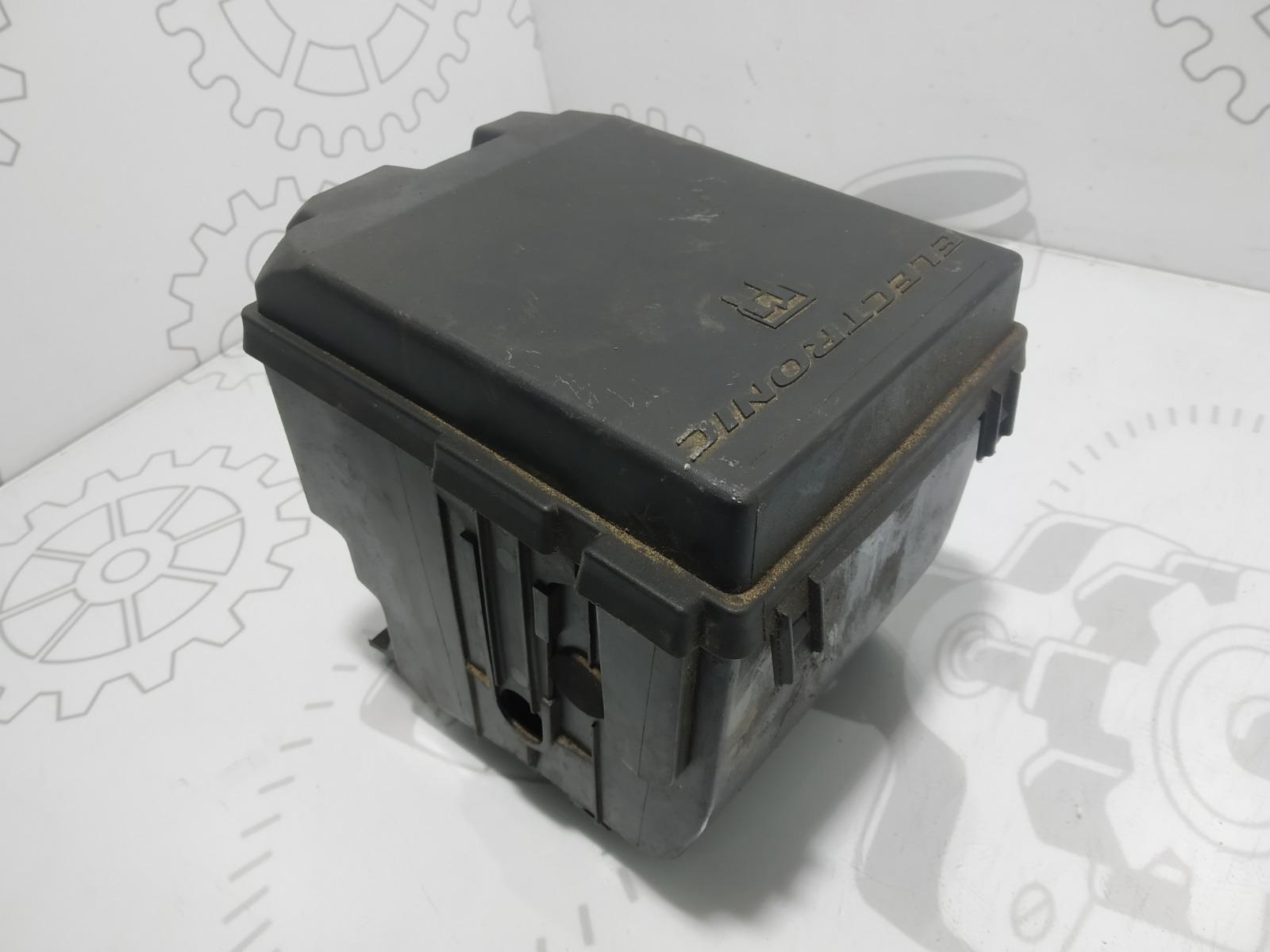 Блок предохранителей Peugeot Partner 2.0 HDI 2003 (б/у)
