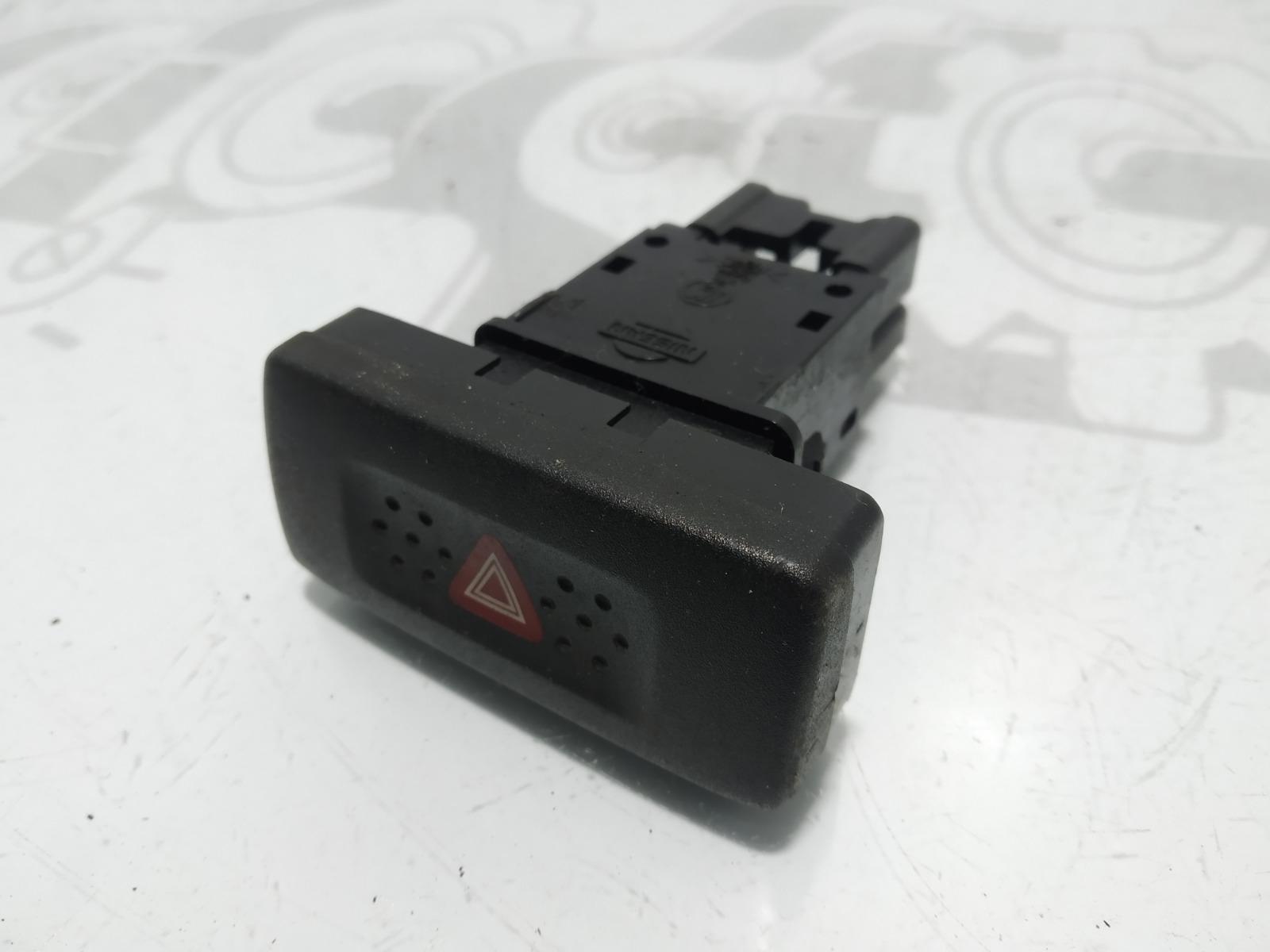 Кнопка аварийной сигнализации Nissan Terrano 3.0 TD 2003 (б/у)