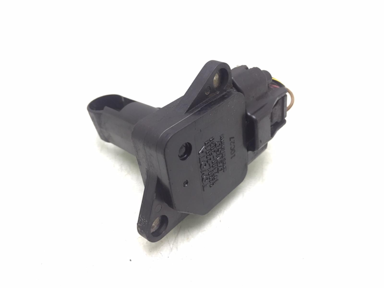 Расходомер воздуха Toyota Yaris P1 1.3 I 2001 (б/у)