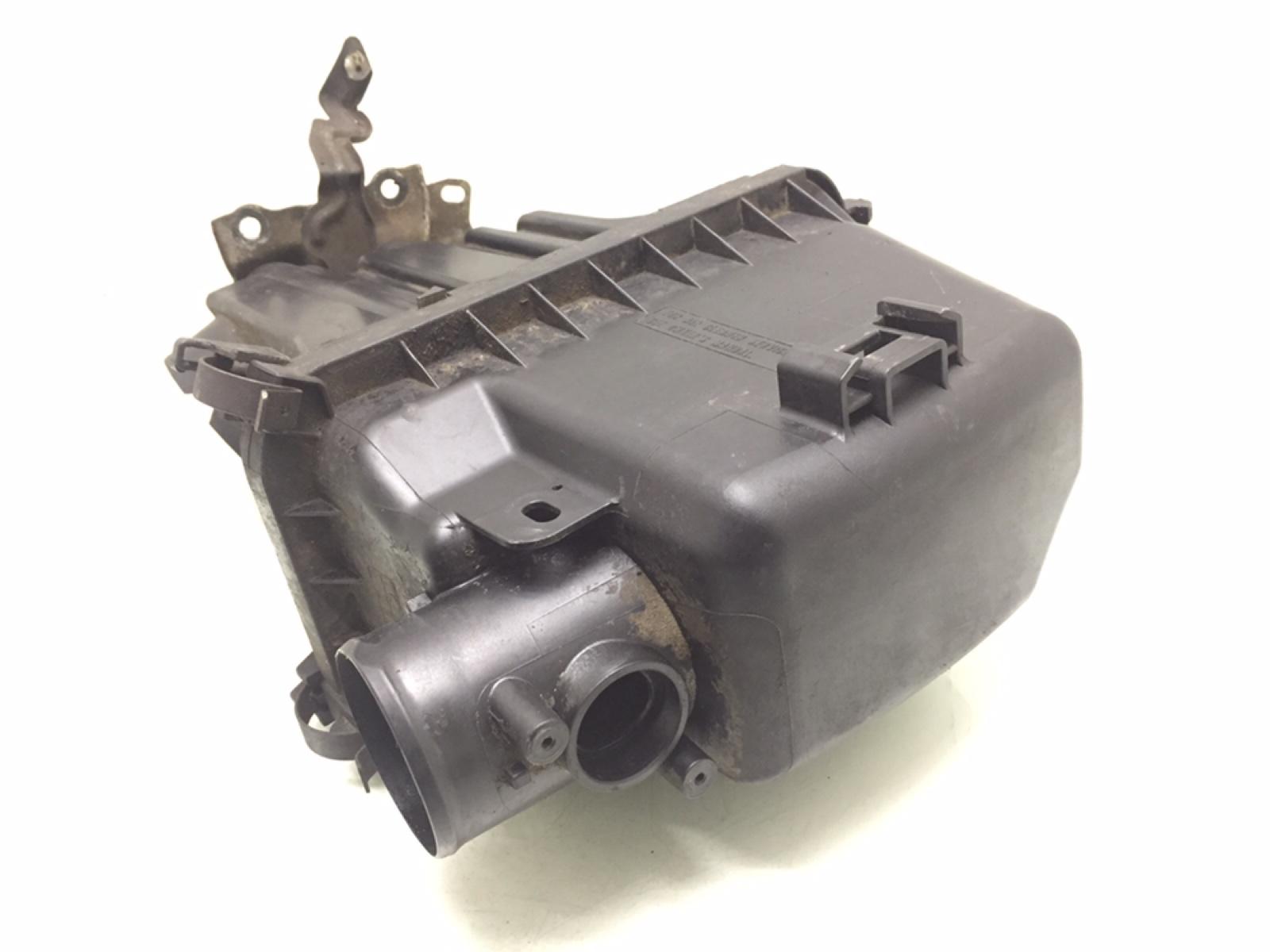 Корпус воздушного фильтра Toyota Yaris P1 1.3 I 2001 (б/у)