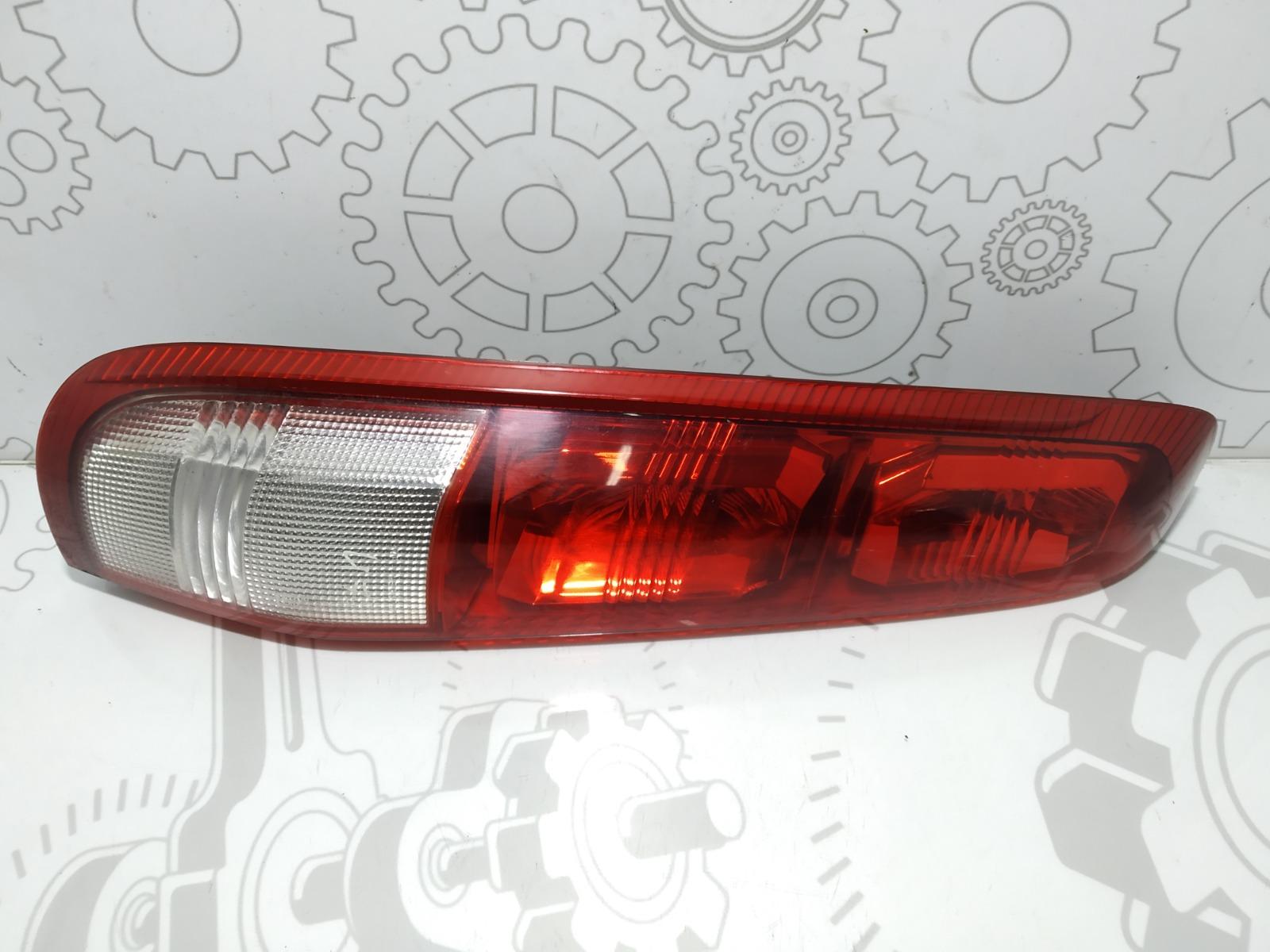 Фонарь задний левый Nissan X-Trail T30 2.0 I 2002 (б/у)