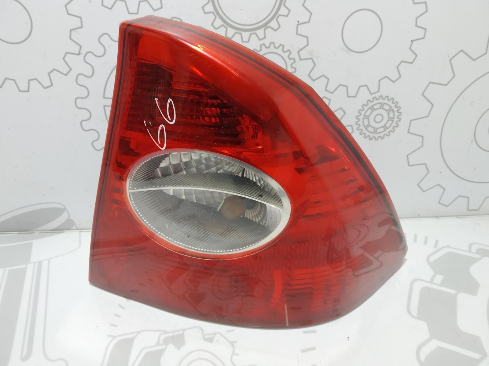 Фонарь задний правый Ford Focus 1.6 I 2005 (б/у)