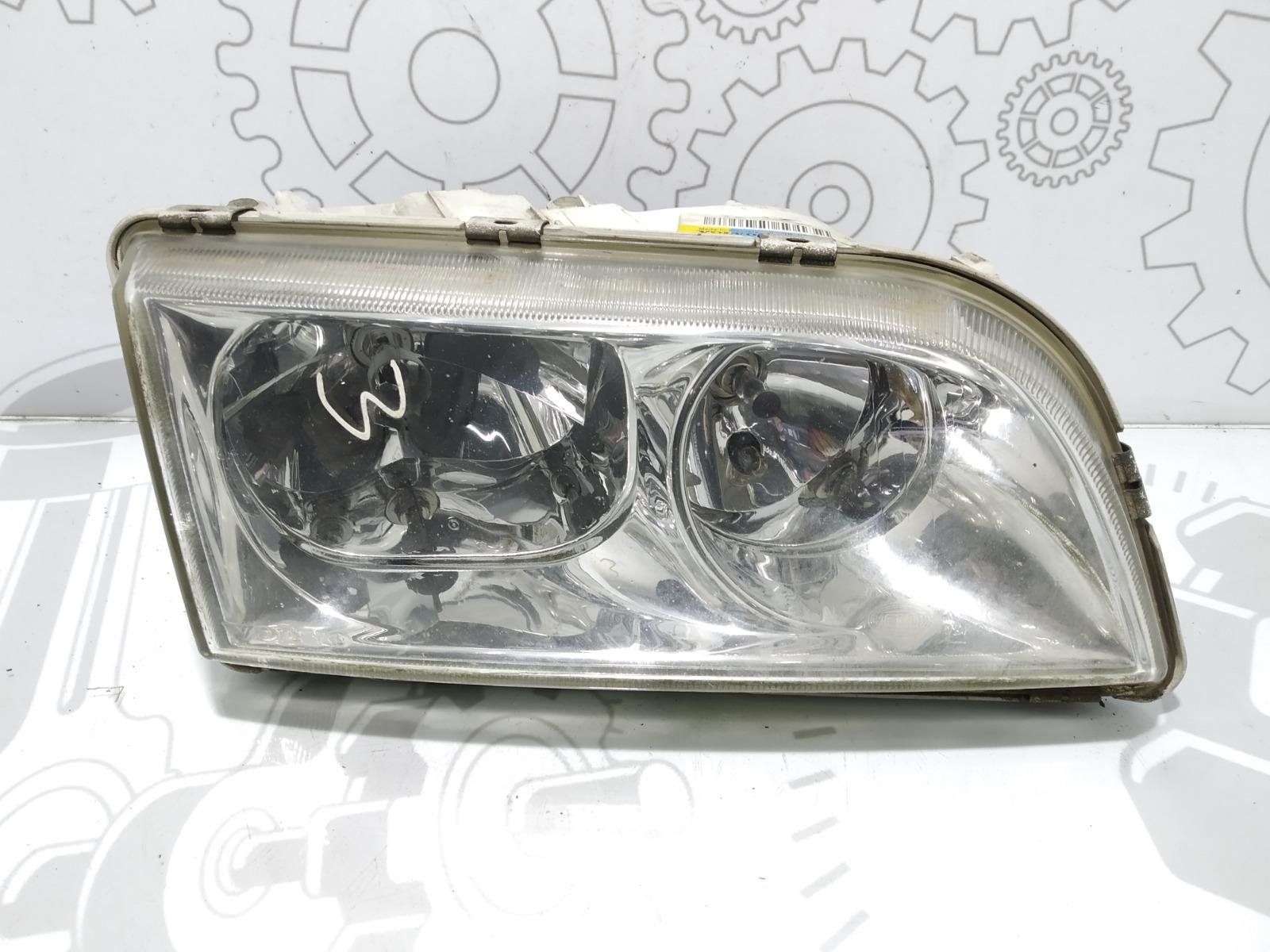 Фара правая Volvo V40 1.8 I 2004 (б/у)