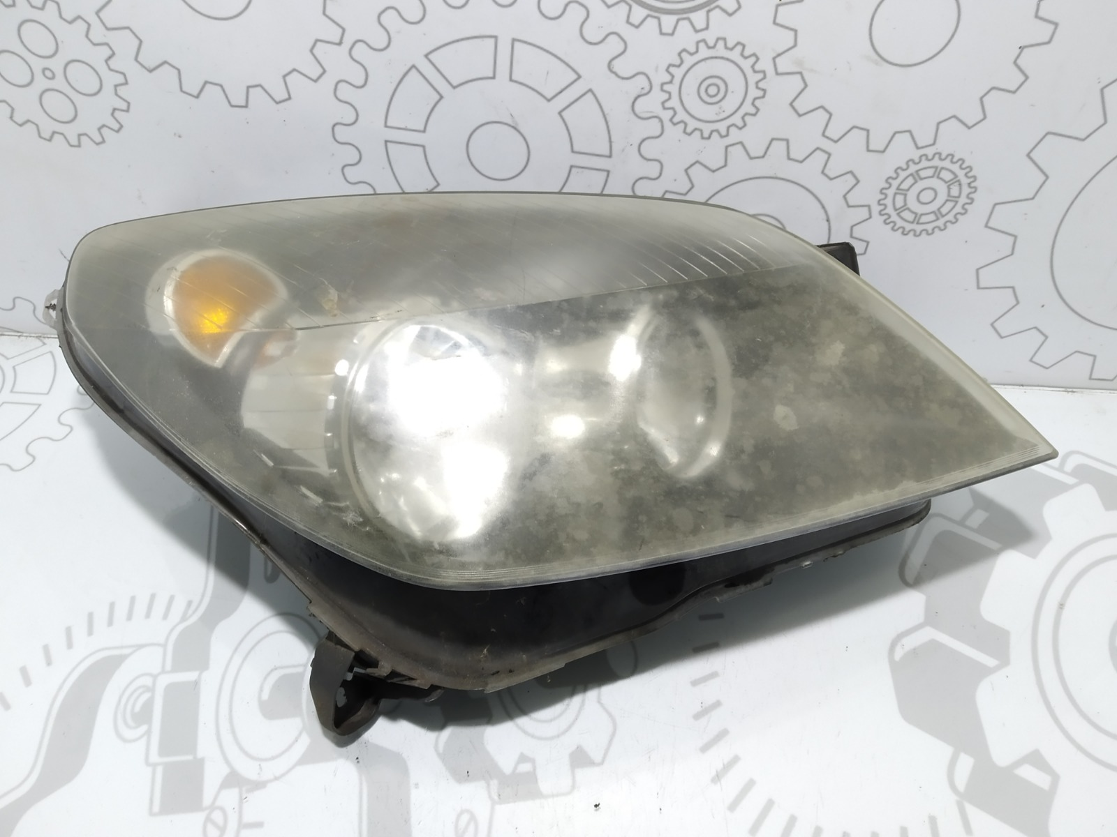 Фара правая Opel Astra H 1.4 I 2005 (б/у)
