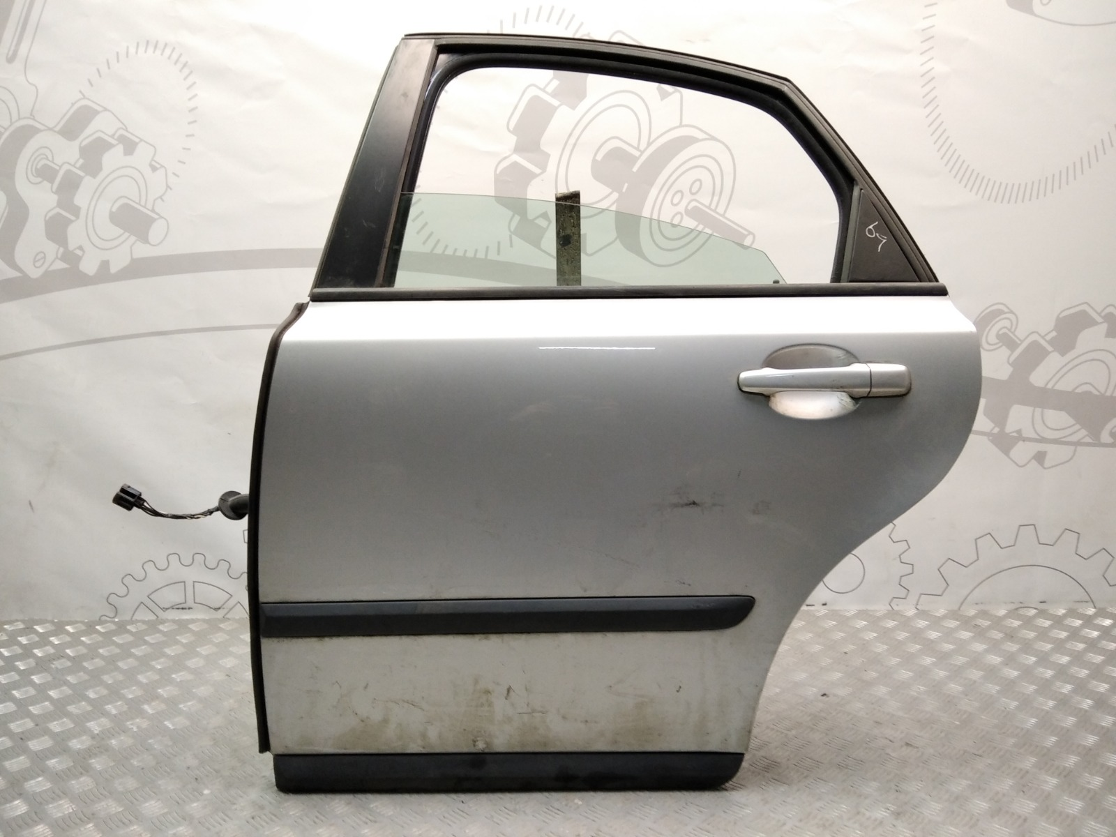 Дверь задняя левая Volvo S40 1.6 I 2006 (б/у)