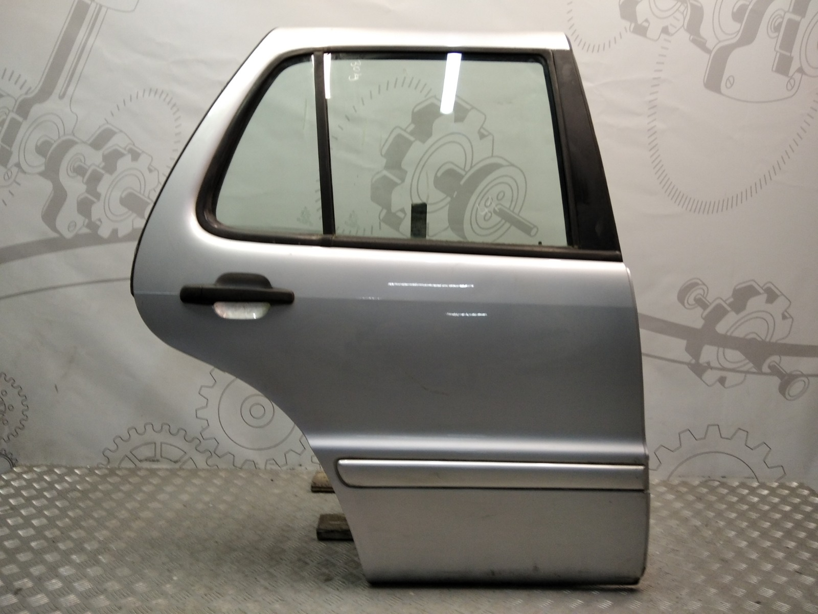 Дверь задняя правая Mercedes Ml W163 2.7 CRDI 2005 (б/у)