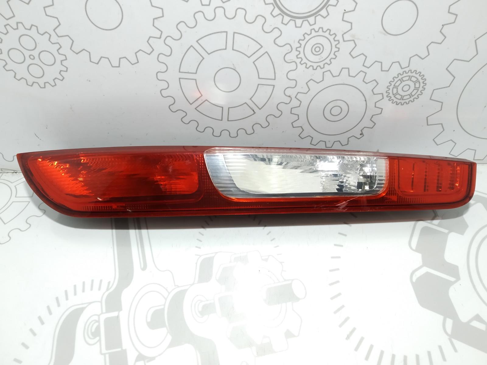 Фонарь задний правый Ford Focus 1.8 I 2007 (б/у)