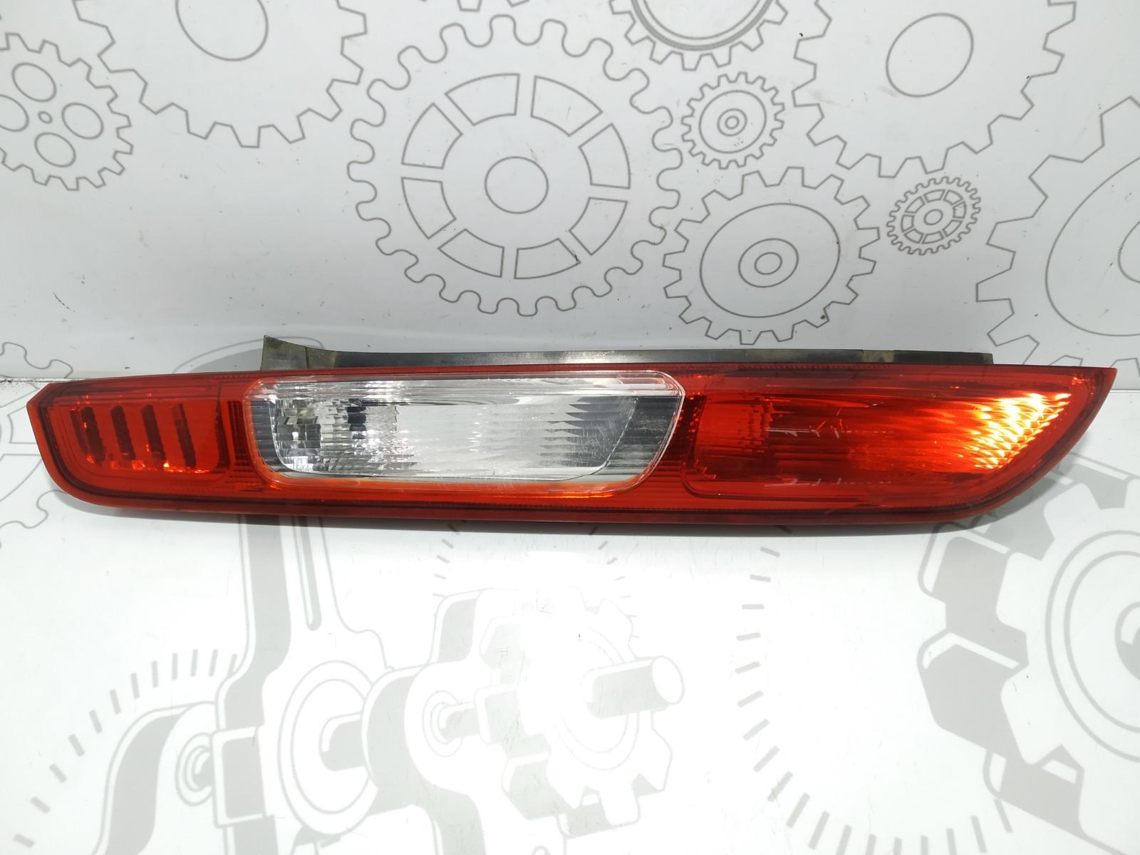 Фонарь задний левый Ford Focus 1.8 I 2007 (б/у)