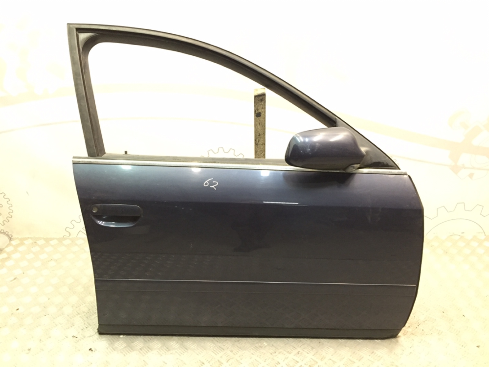 Дверь передняя правая Audi A6 C5 2.4 I 2002 (б/у)