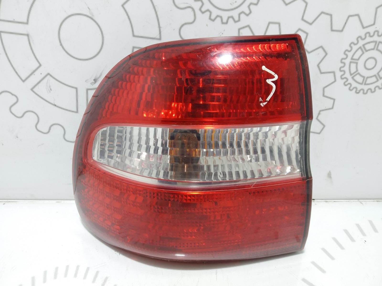 Фонарь задний левый Volvo V40 1.8 I 2004 (б/у)