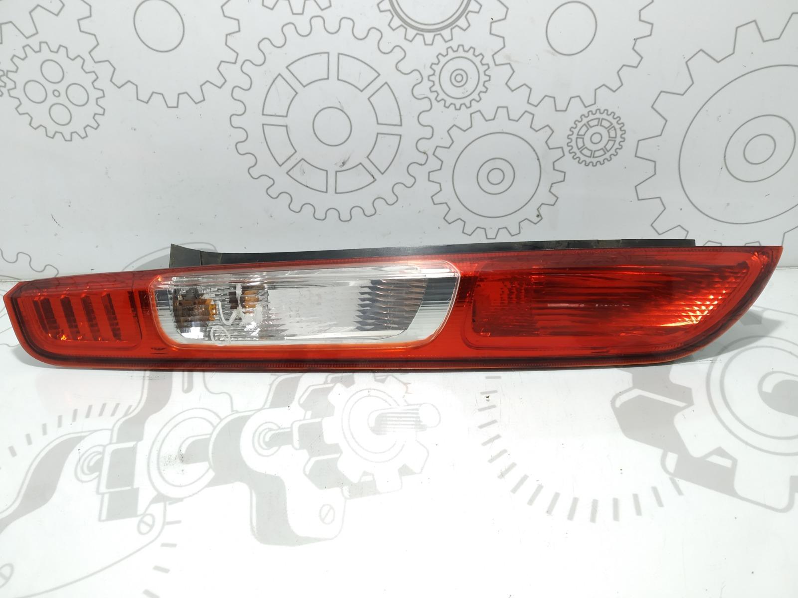 Фонарь задний левый Ford Focus 1.6 I 2005 (б/у)