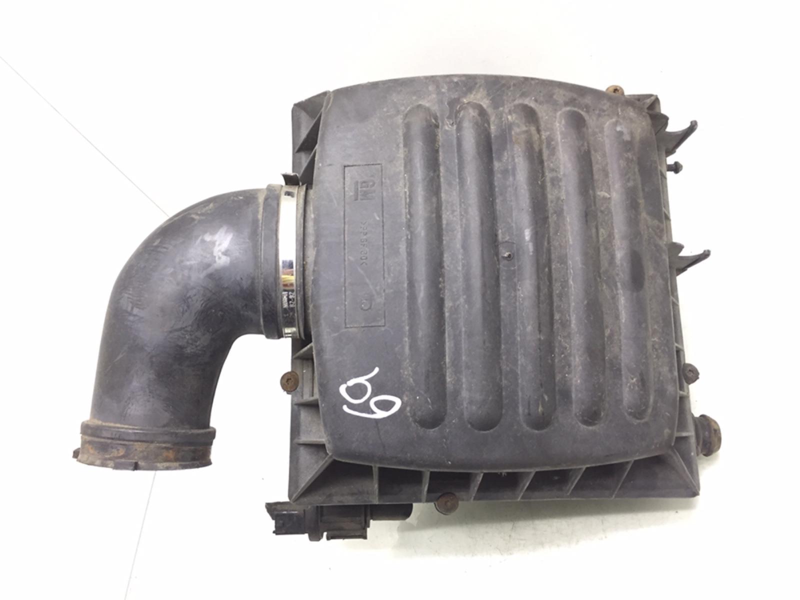 Корпус воздушного фильтра Opel Omega B 2.2 I 2002 (б/у)