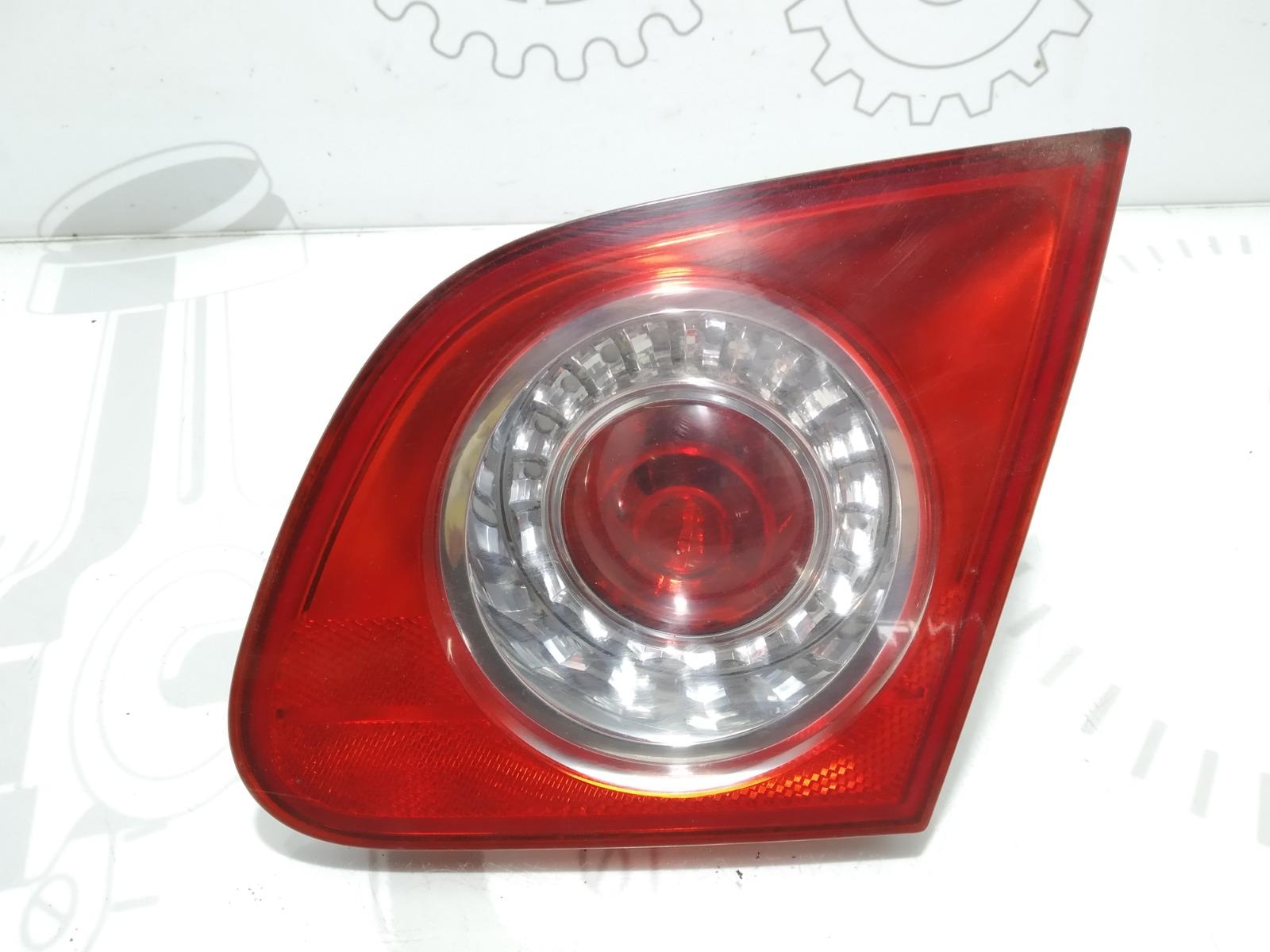 Фонарь крышки багажника правый Volkswagen Passat B6 2.0 TDI 2009 (б/у)
