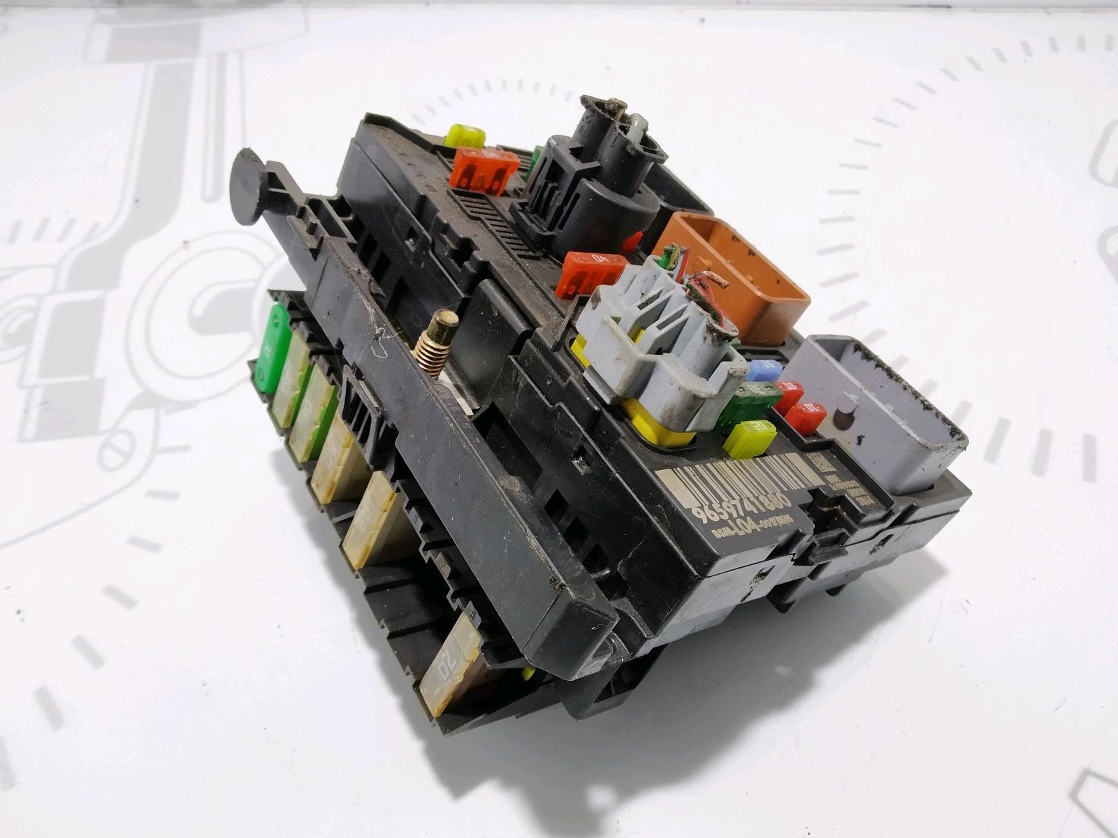Блок предохранителей Peugeot 307 1.6 I 2005 (б/у)