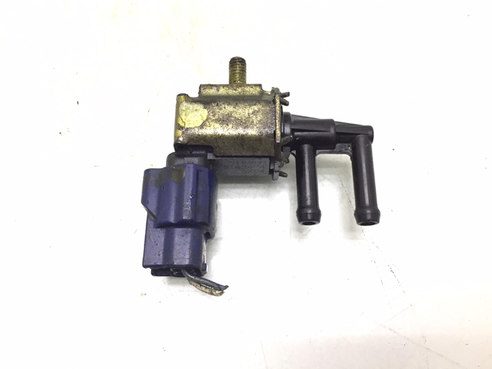 Клапан электромагнитный Nissan Almera Tino 1.8 I 2005 (б/у)