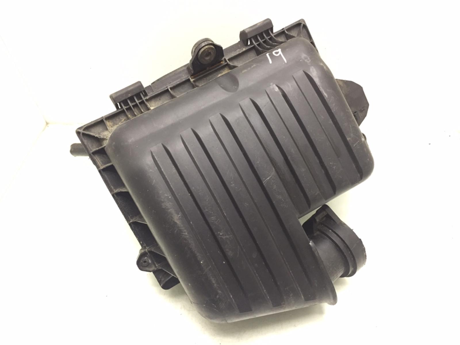 Корпус воздушного фильтра Volkswagen Sharan 1.9 TDI 2007 (б/у)