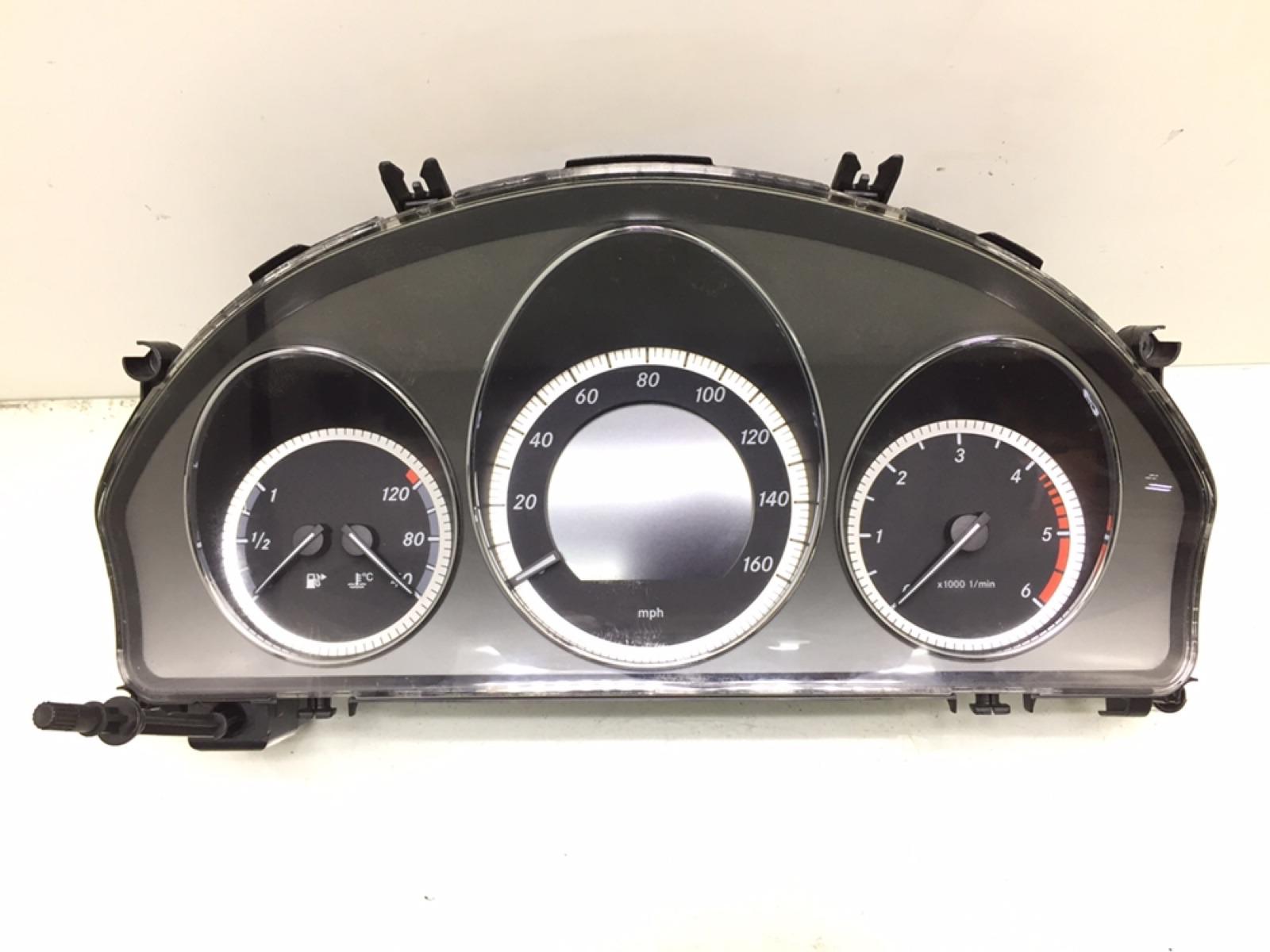 Щиток приборов (приборная панель) Mercedes C W204 2.2 CDI 2010 (б/у)