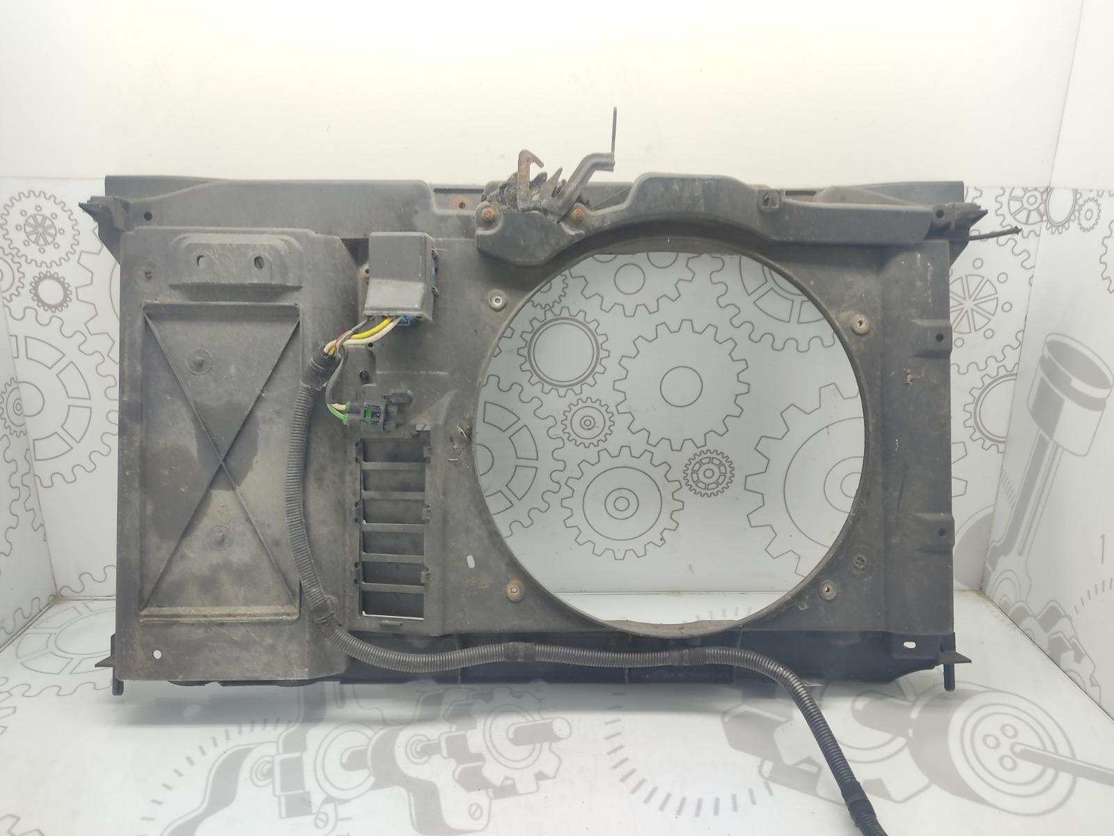 Диффузор вентилятора Peugeot 308 T7 1.4 I 2008 (б/у)