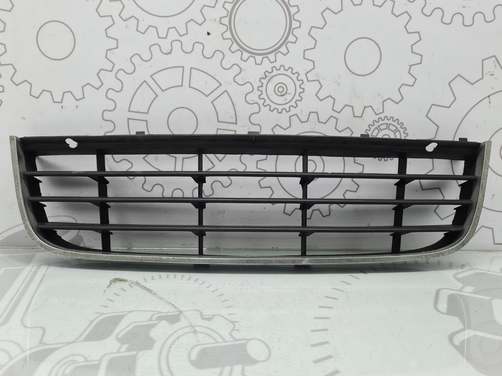 Решетка радиатора Volkswagen Jetta 2.0 TDI 2008 (б/у)