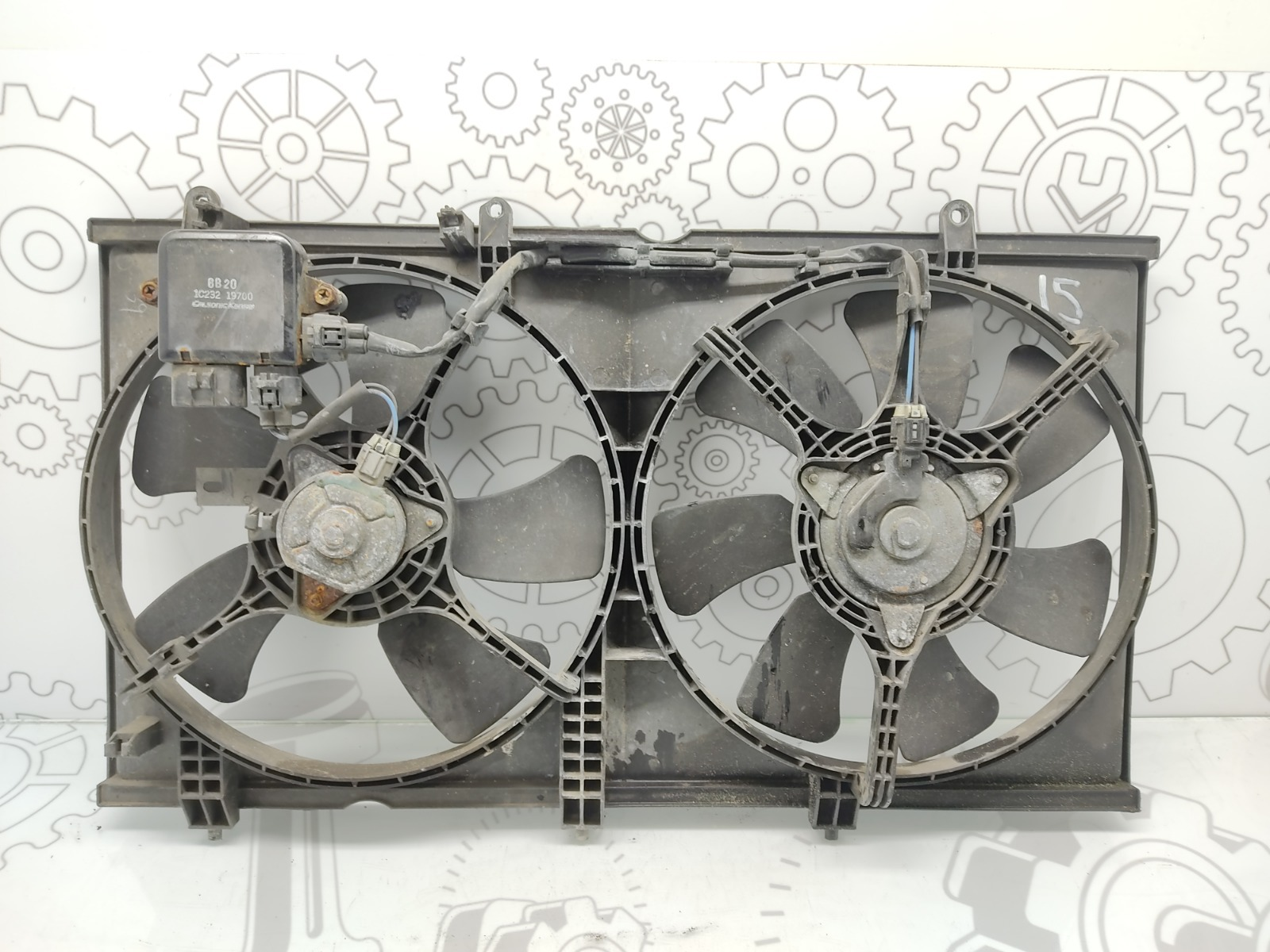 Вентилятор радиатора Mitsubishi Lancer 1.6 I 2006 (б/у)