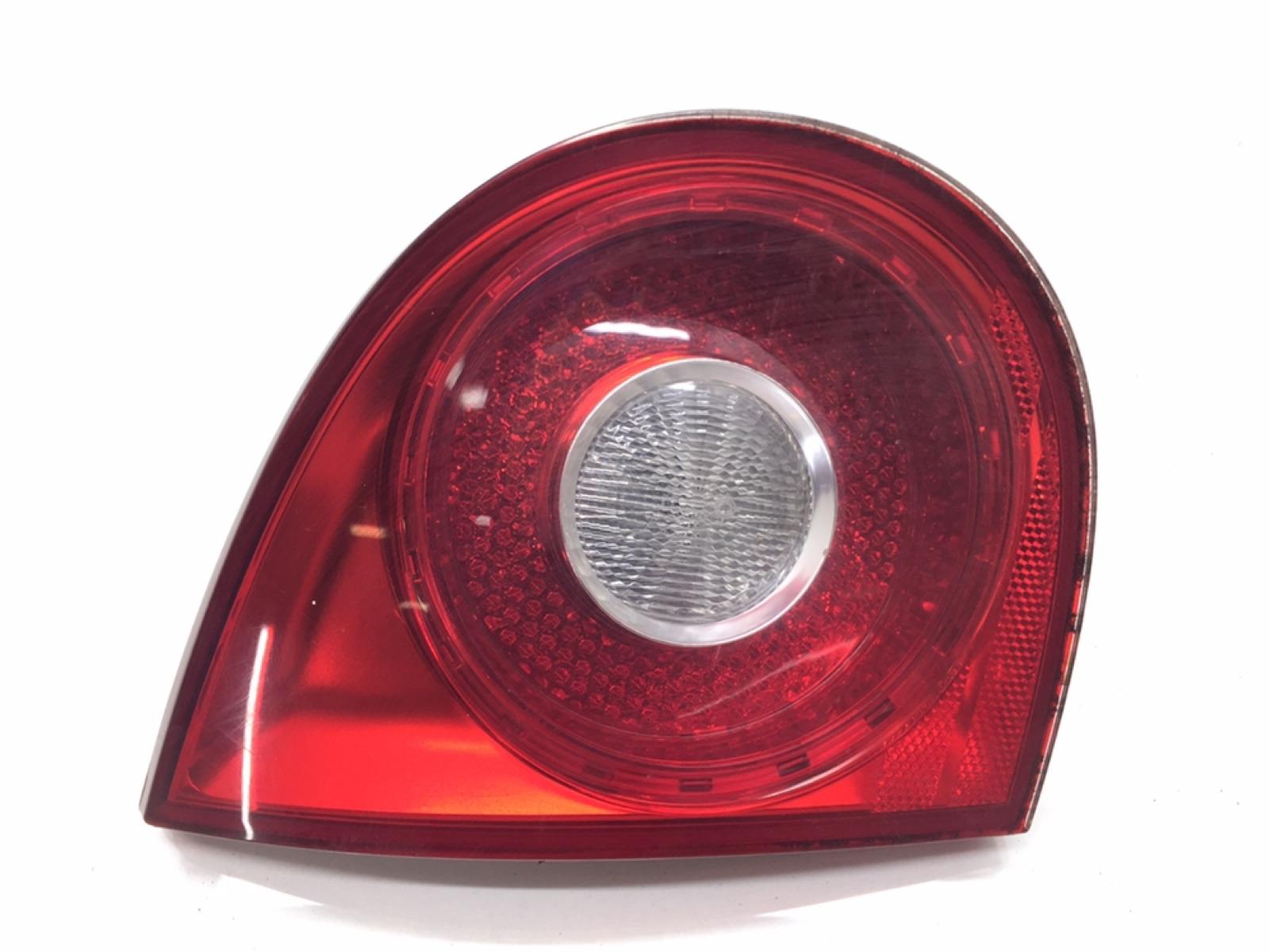 Фонарь крышки багажника левый Volkswagen Golf 5 1.6 FSI 2005 (б/у)