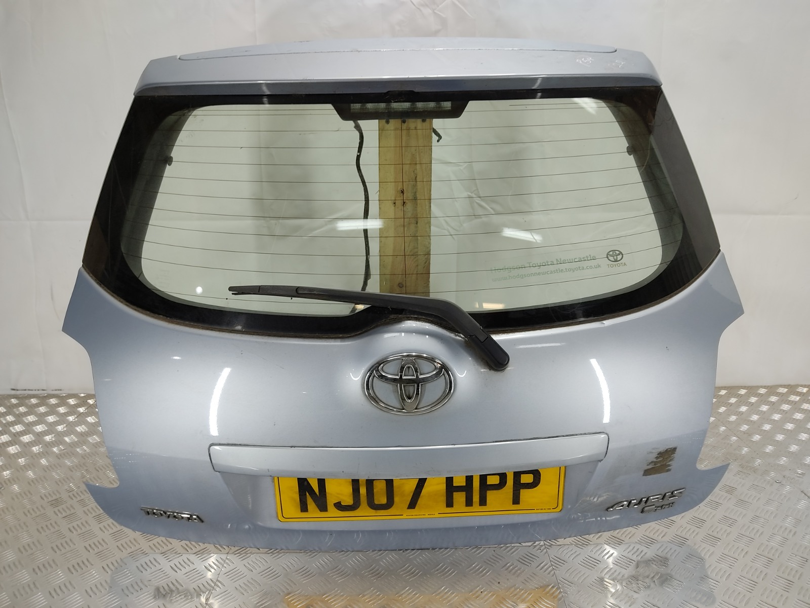 Крышка багажника Toyota Auris 1.6 I 2007 (б/у)