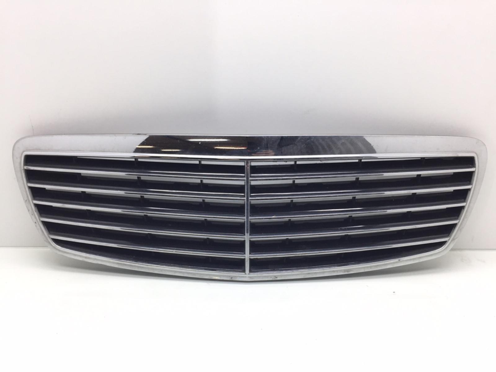 Решетка радиатора Mercedes E W211 3.2 CDI 2004 (б/у)