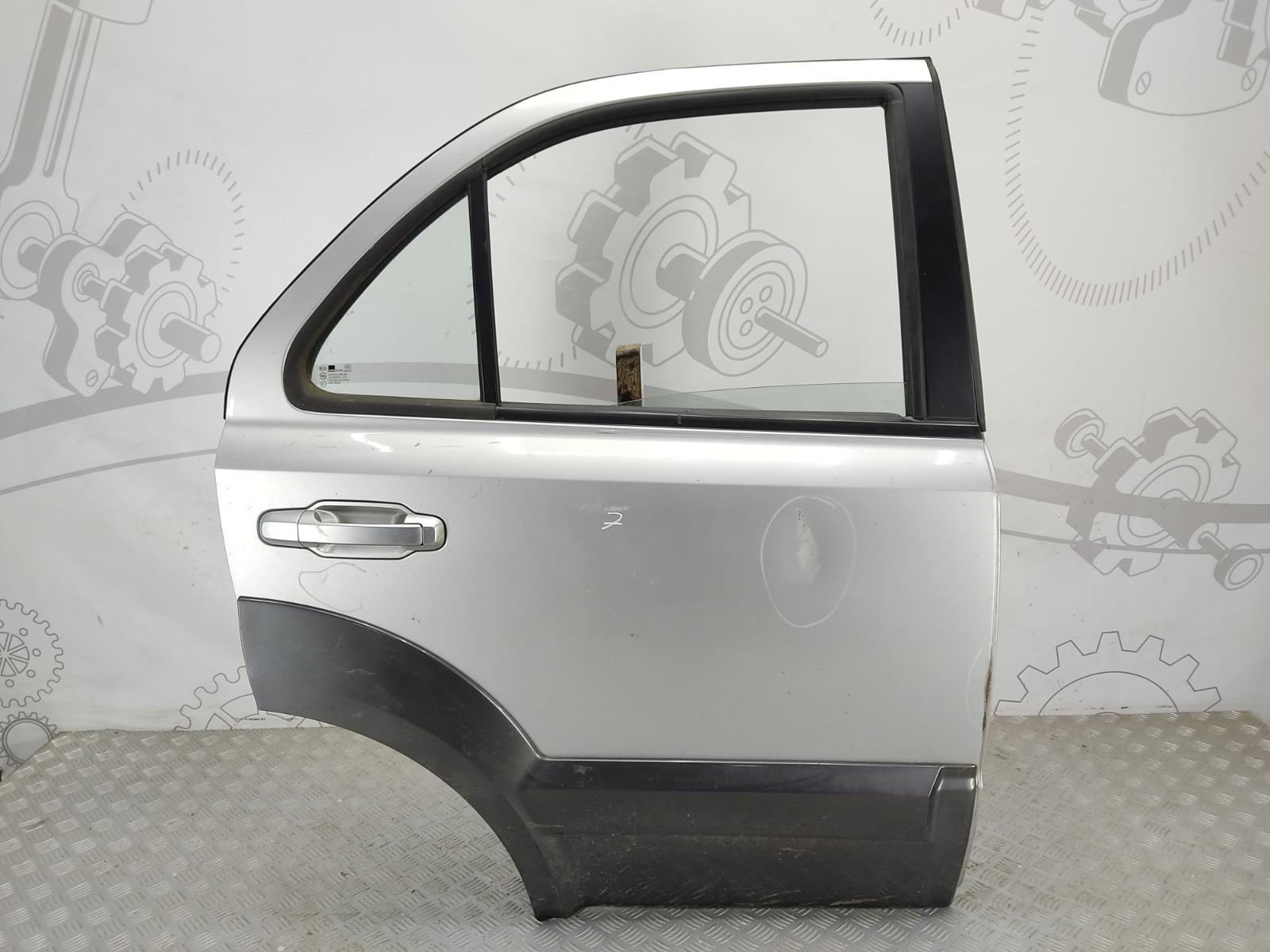 Дверь задняя правая Kia Sorento 2.5 CRD 2006 (б/у)