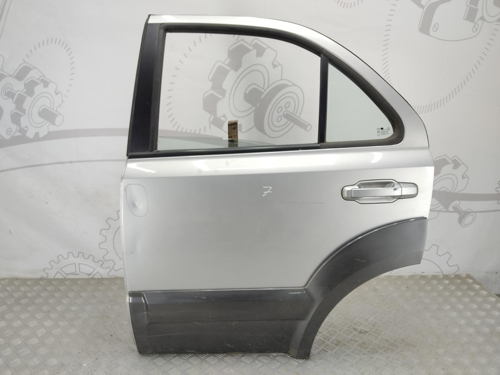 Дверь задняя левая Kia Sorento 2.5 CRD 2006 (б/у)