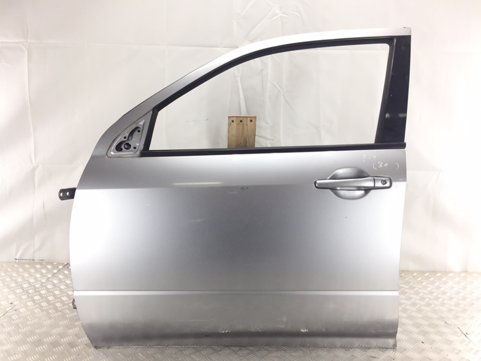 Дверь передняя левая Mitsubishi Outlander 2.4 I 2004 (б/у)