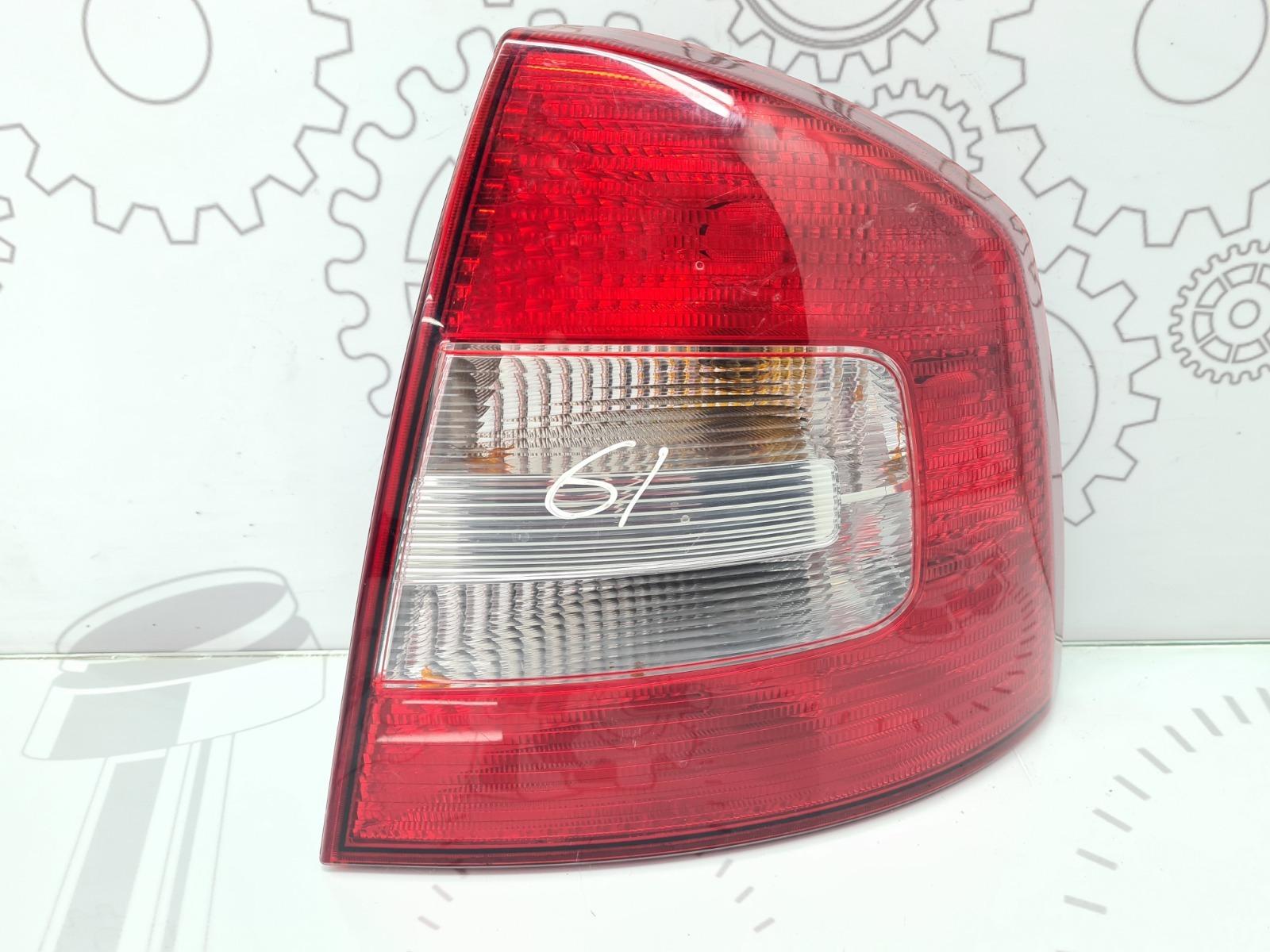 Фонарь задний правый Skoda Octavia 1.6 TDI 2011 (б/у)