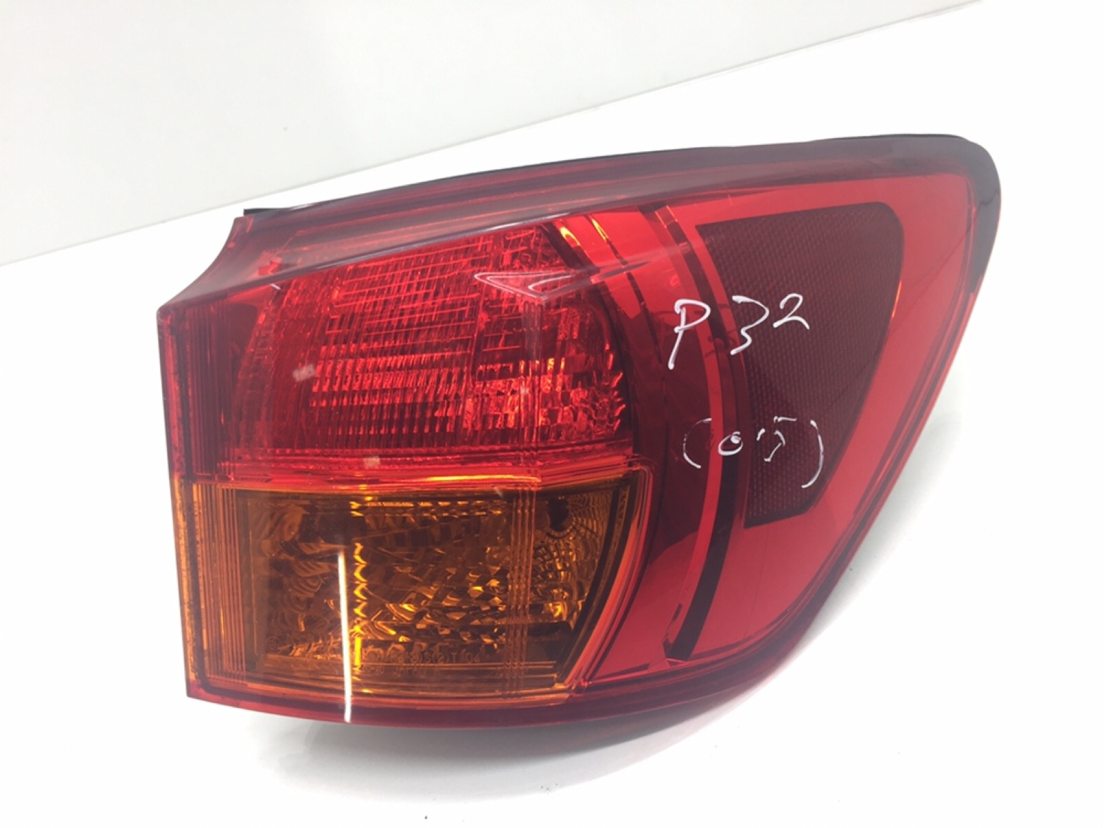 Фонарь задний правый Lexus Is 2.2 TD 2007 (б/у)