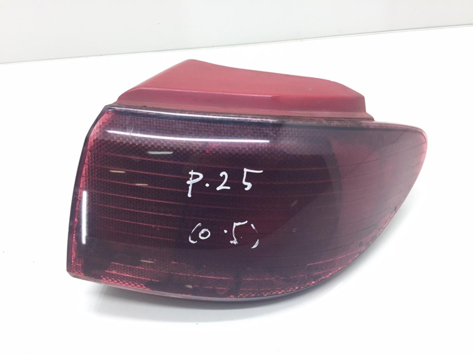 Фонарь задний правый Mazda 2 1.4 TD 2004 (б/у)