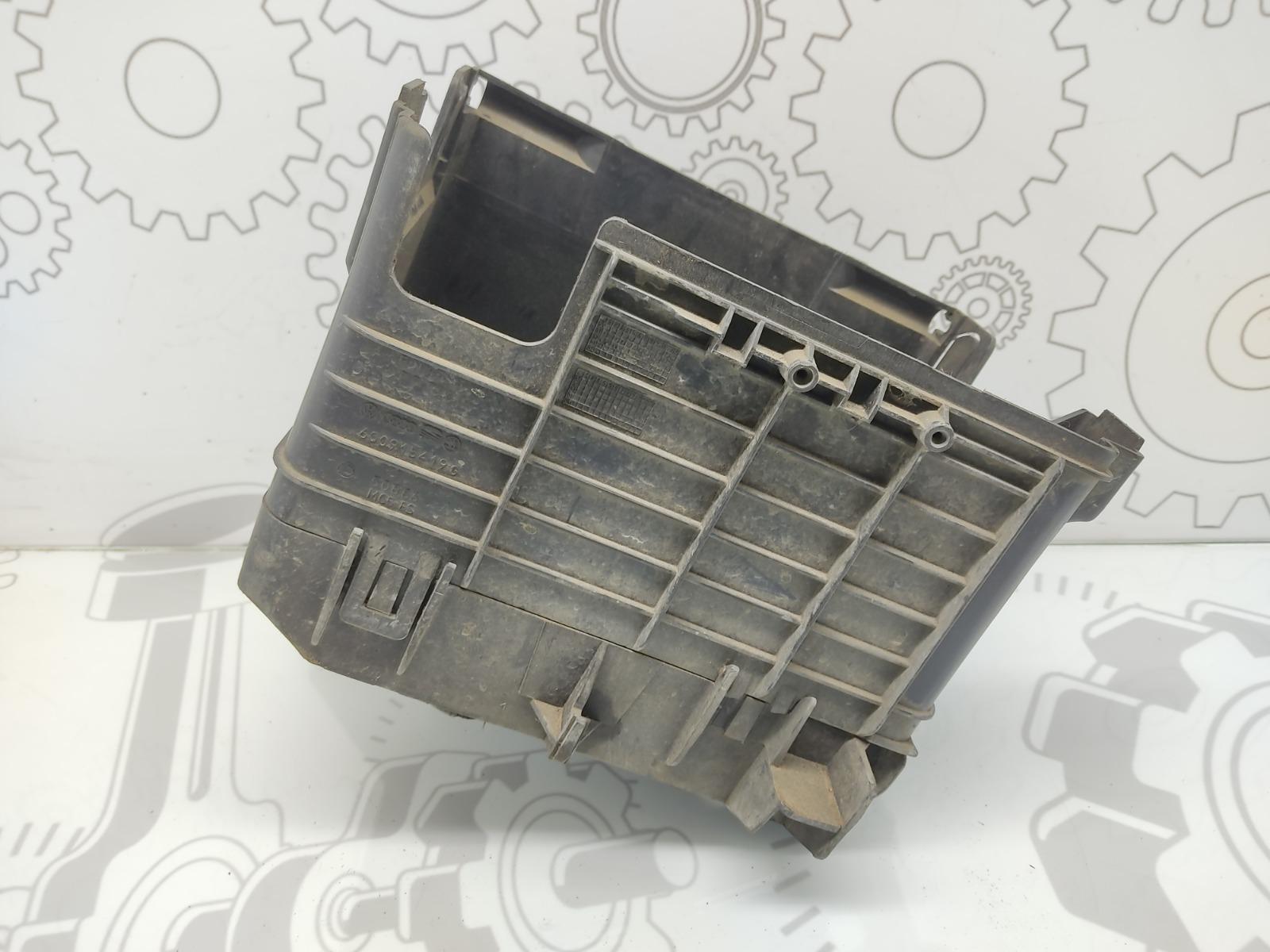 Полка аккумулятора Volkswagen Polo 1.2 I 2004 (б/у)