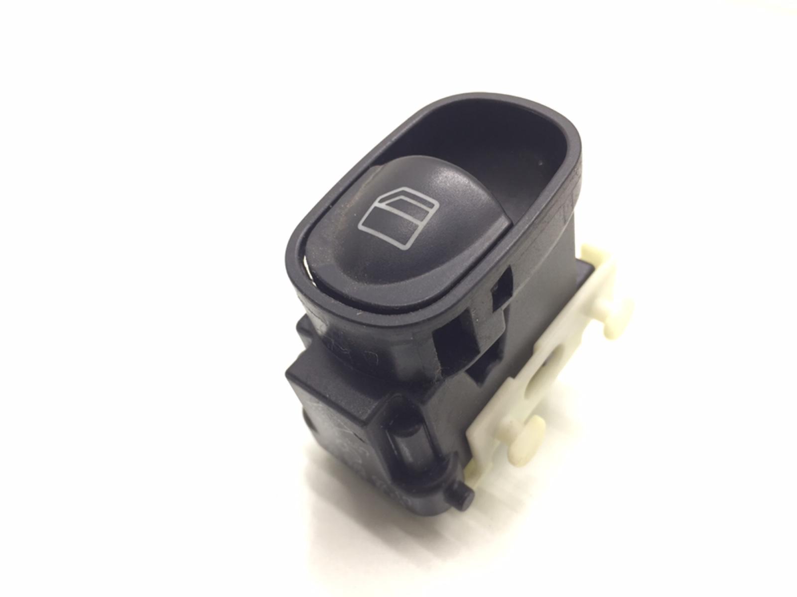 Кнопка стеклоподъемника Mercedes C W203 2.2 CDI 2002 (б/у)
