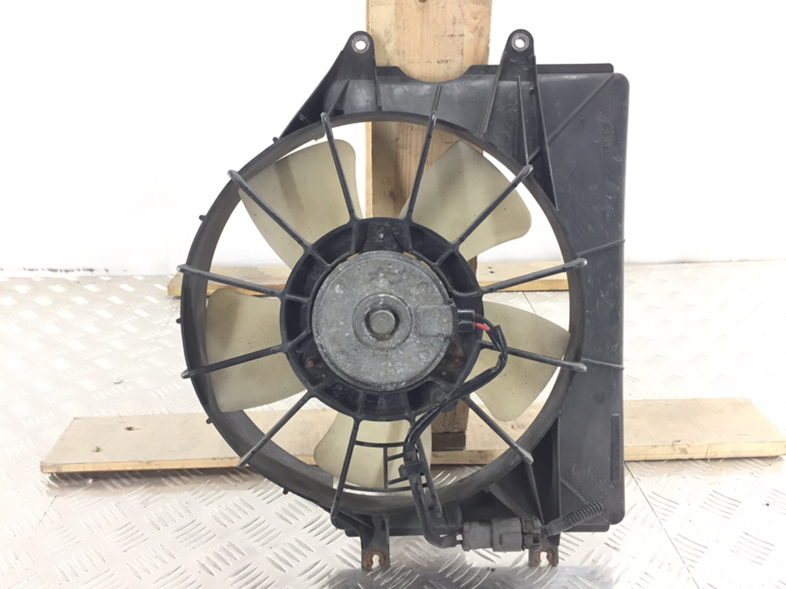 Вентилятор радиатора Honda Cr-V 2.2 CTDI 2006 (б/у)