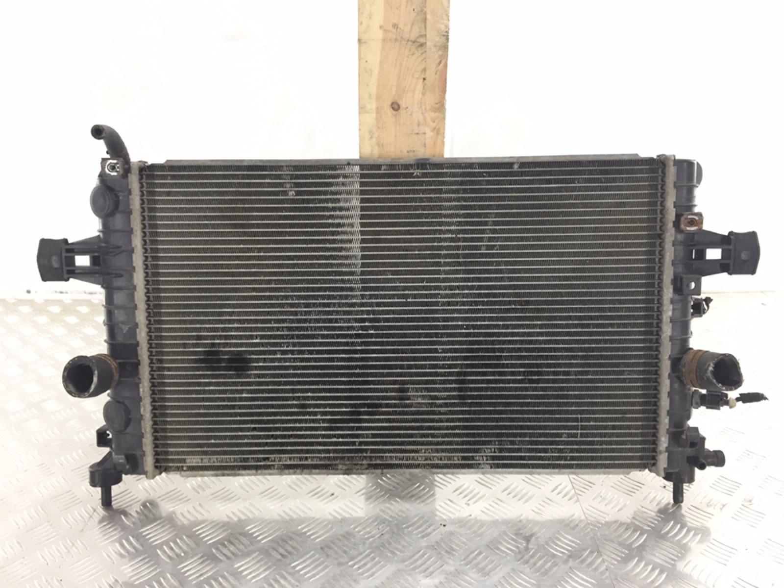 Радиатор (основной) Opel Zafira B 1.6 I 2009 (б/у)